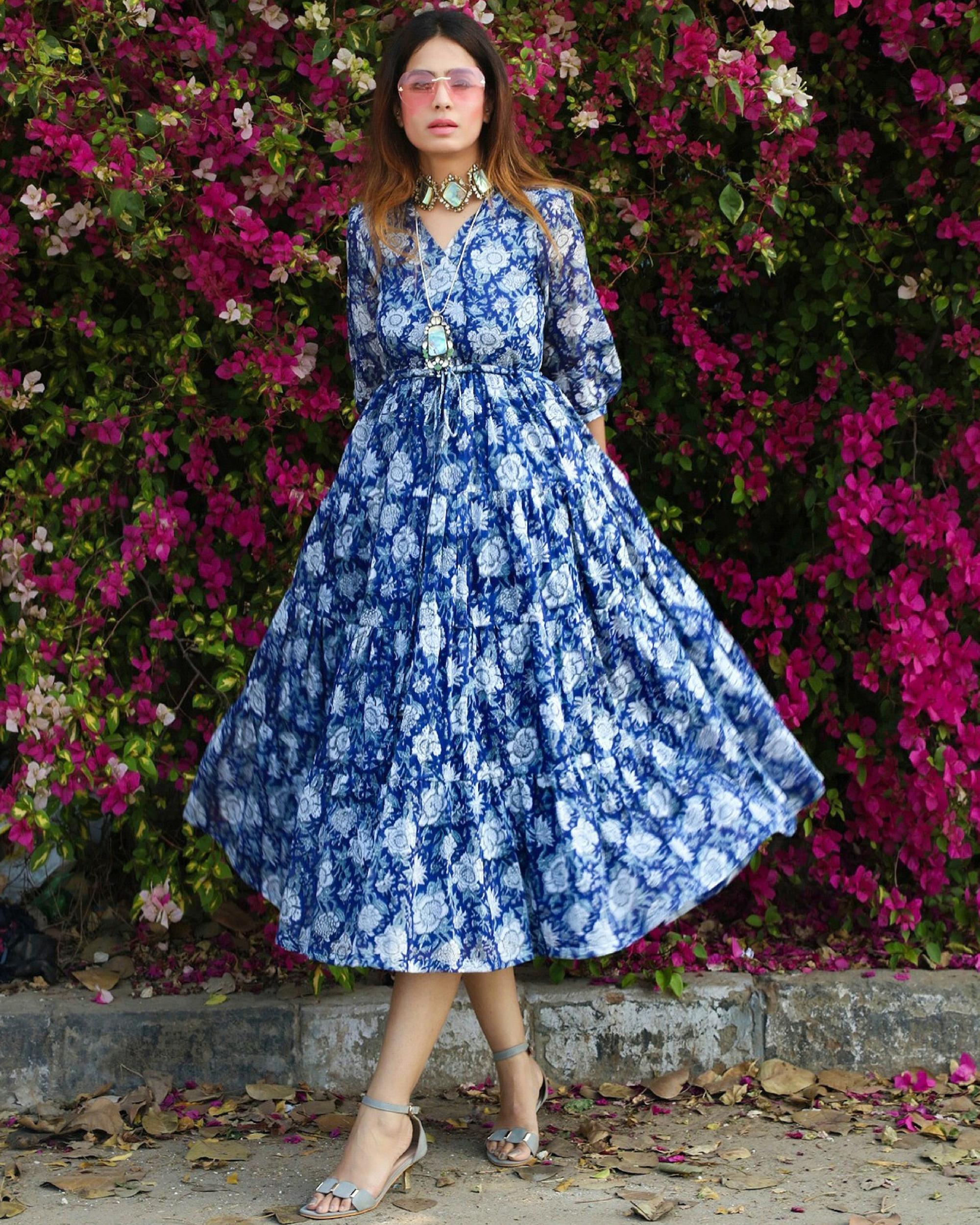 Blue floral print maxi