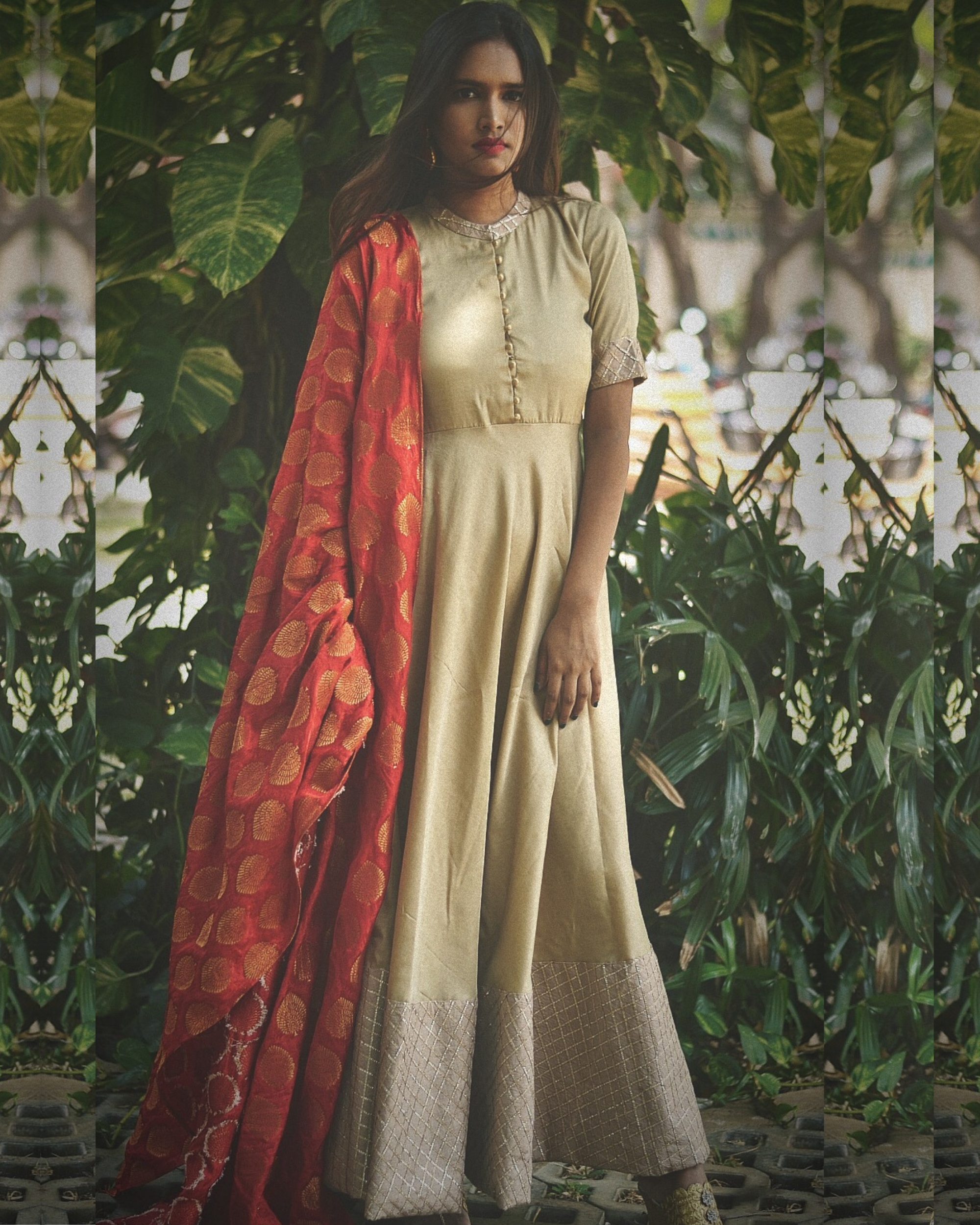 Beige flared dress with dupatta - Set of Two
