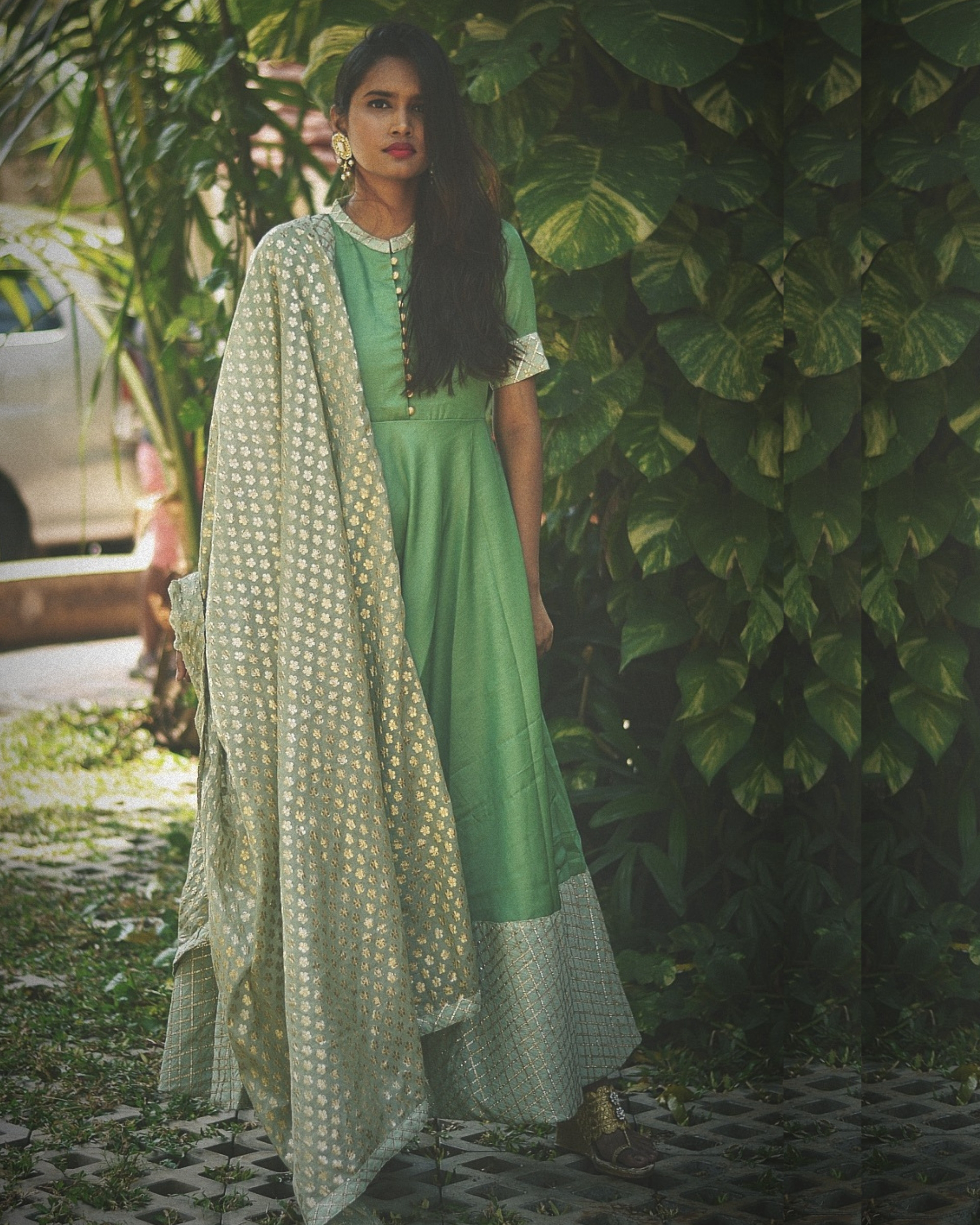 Green flared dress with dupatta - Set of Two