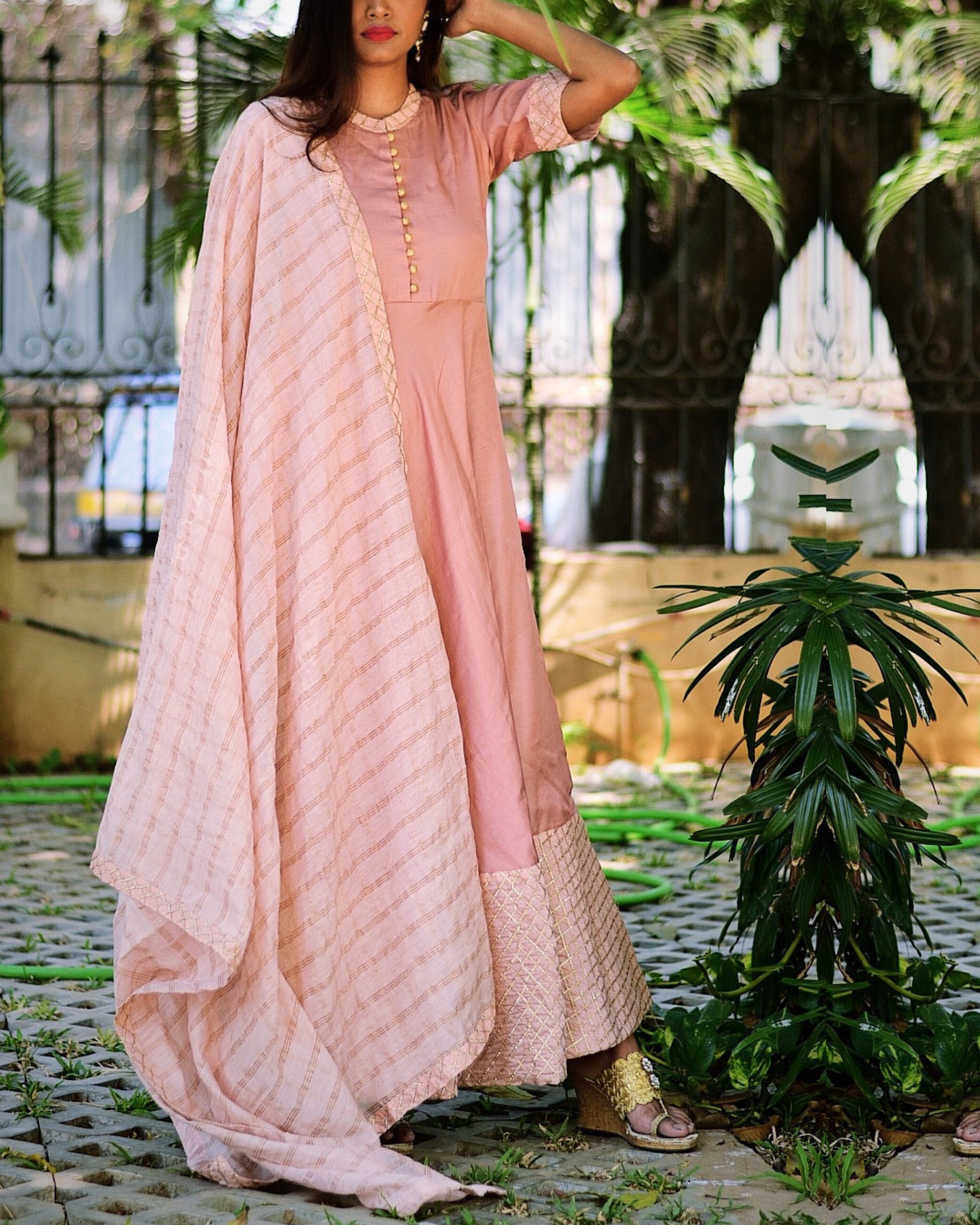 Pink flared dress with dupatta - Set of two
