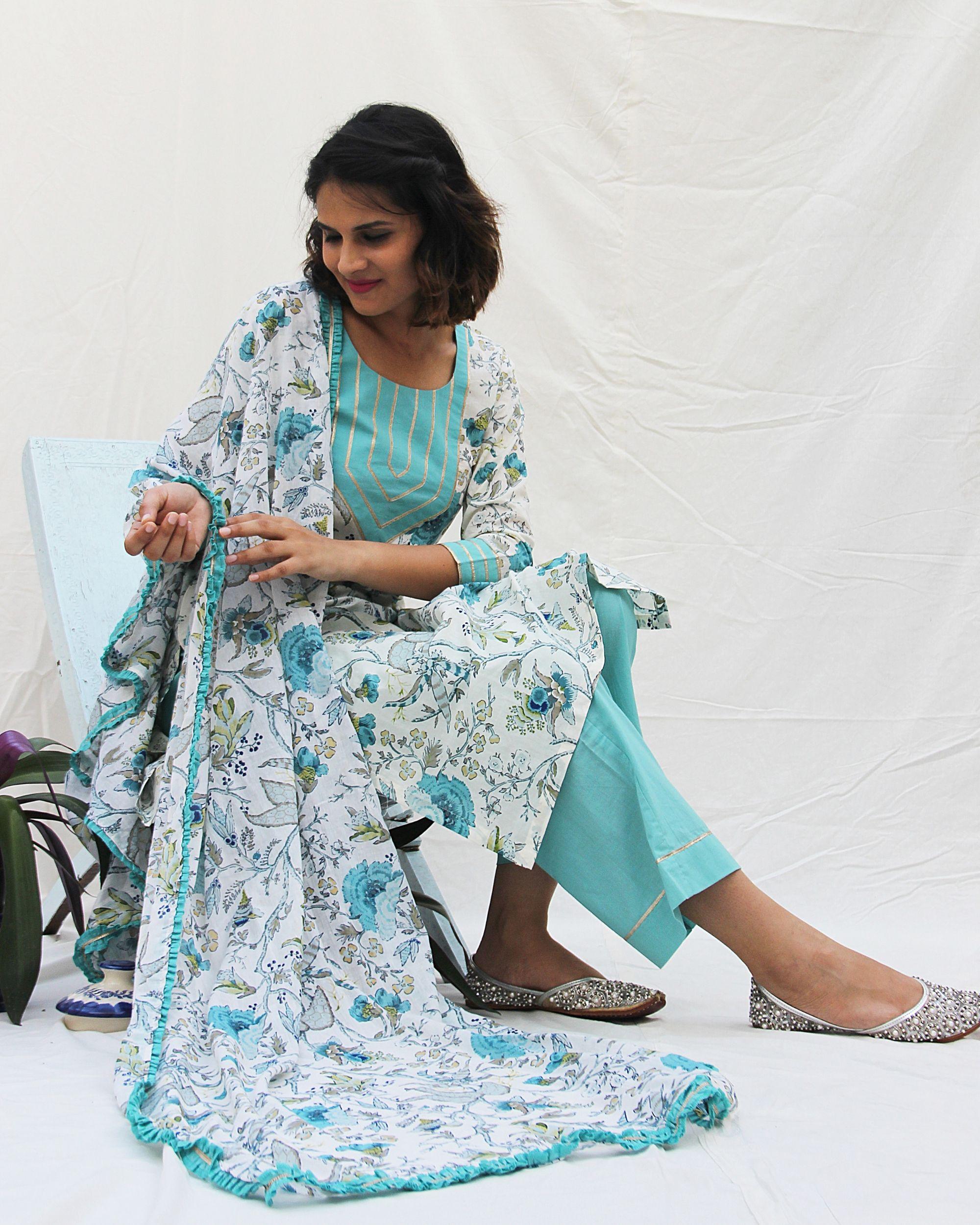 Floral print kurta with pants and printed dupatta- set of three