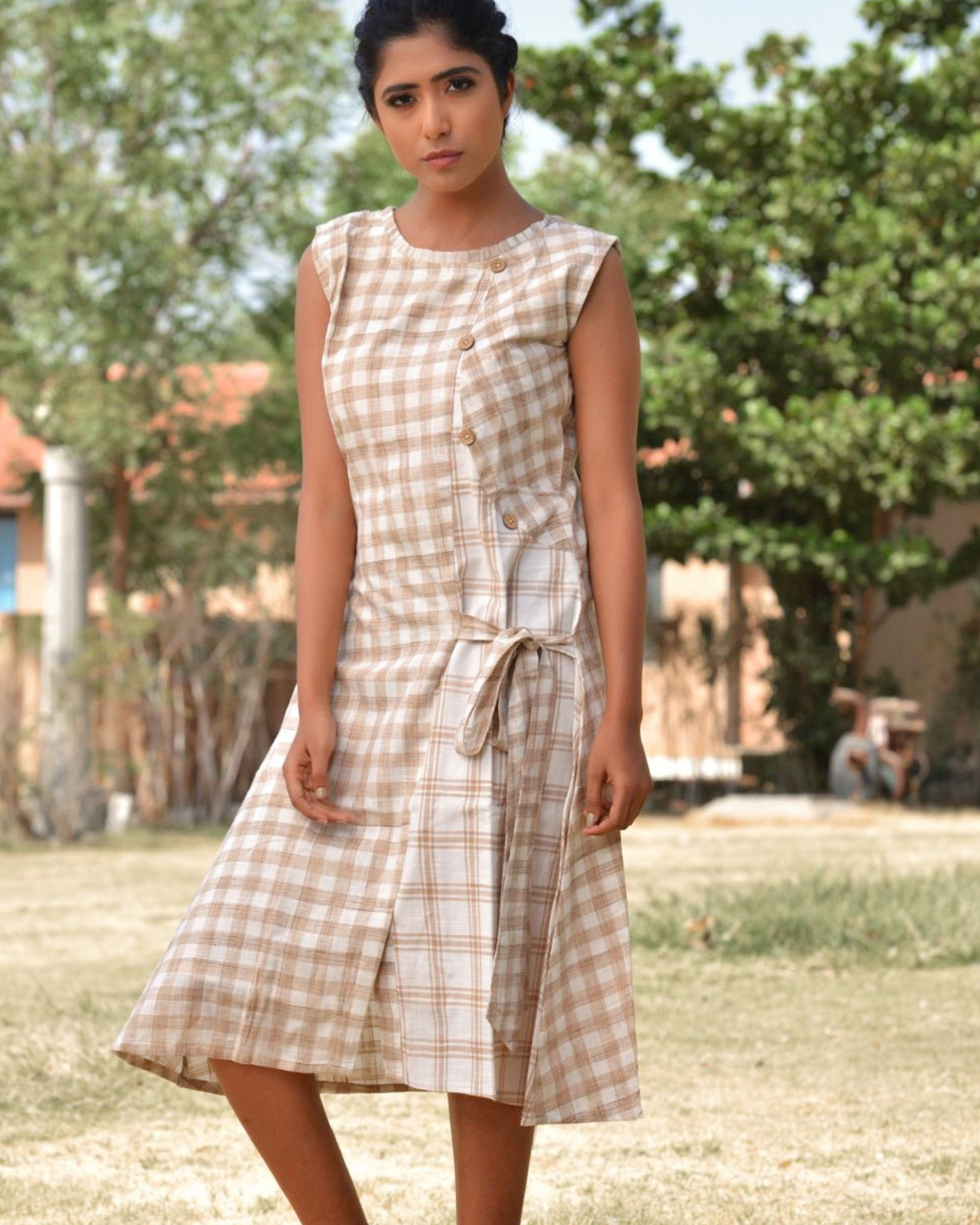 The beige and brown check pattern knot dress