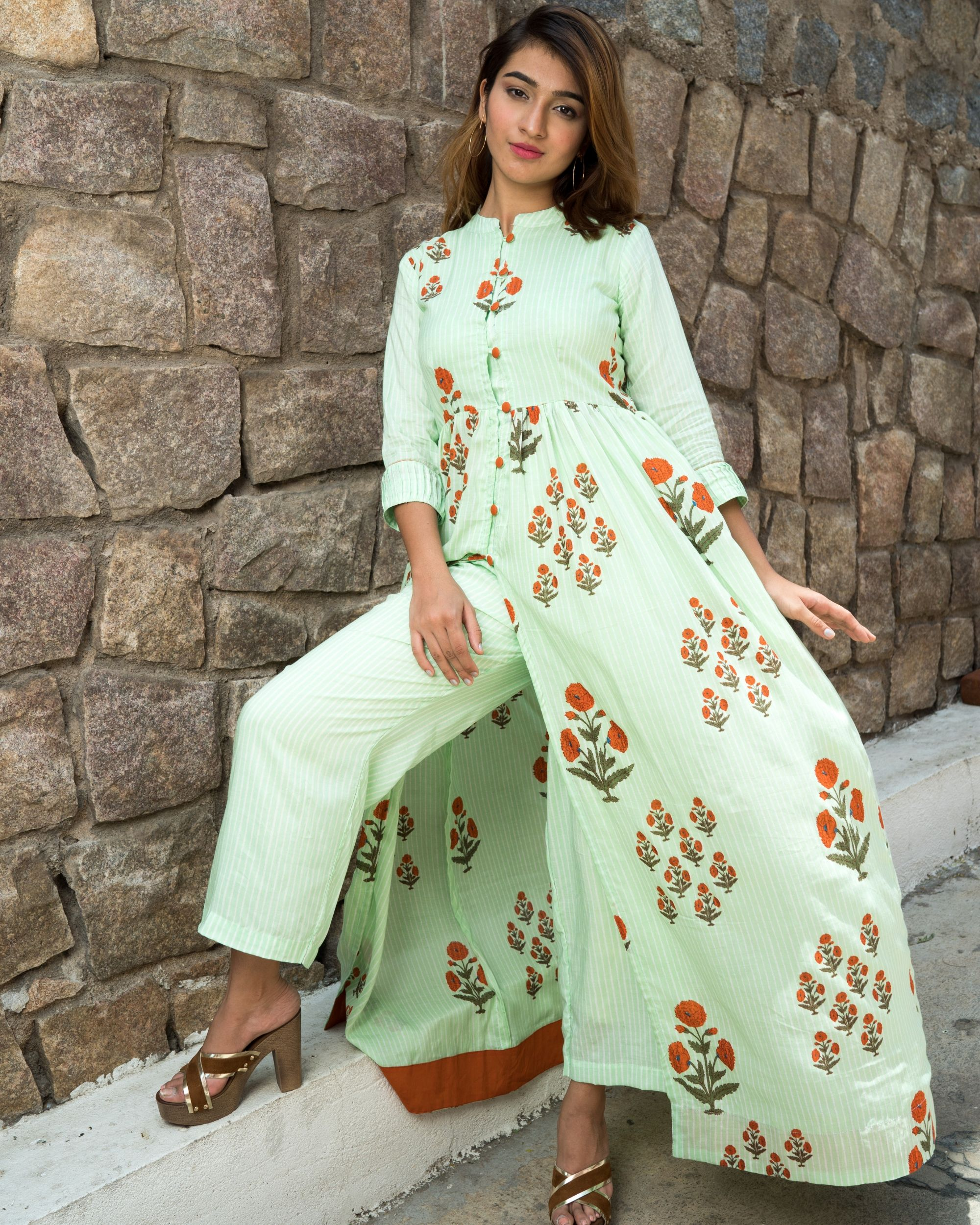 Self striped mint green printed boota cape with pants- set of two