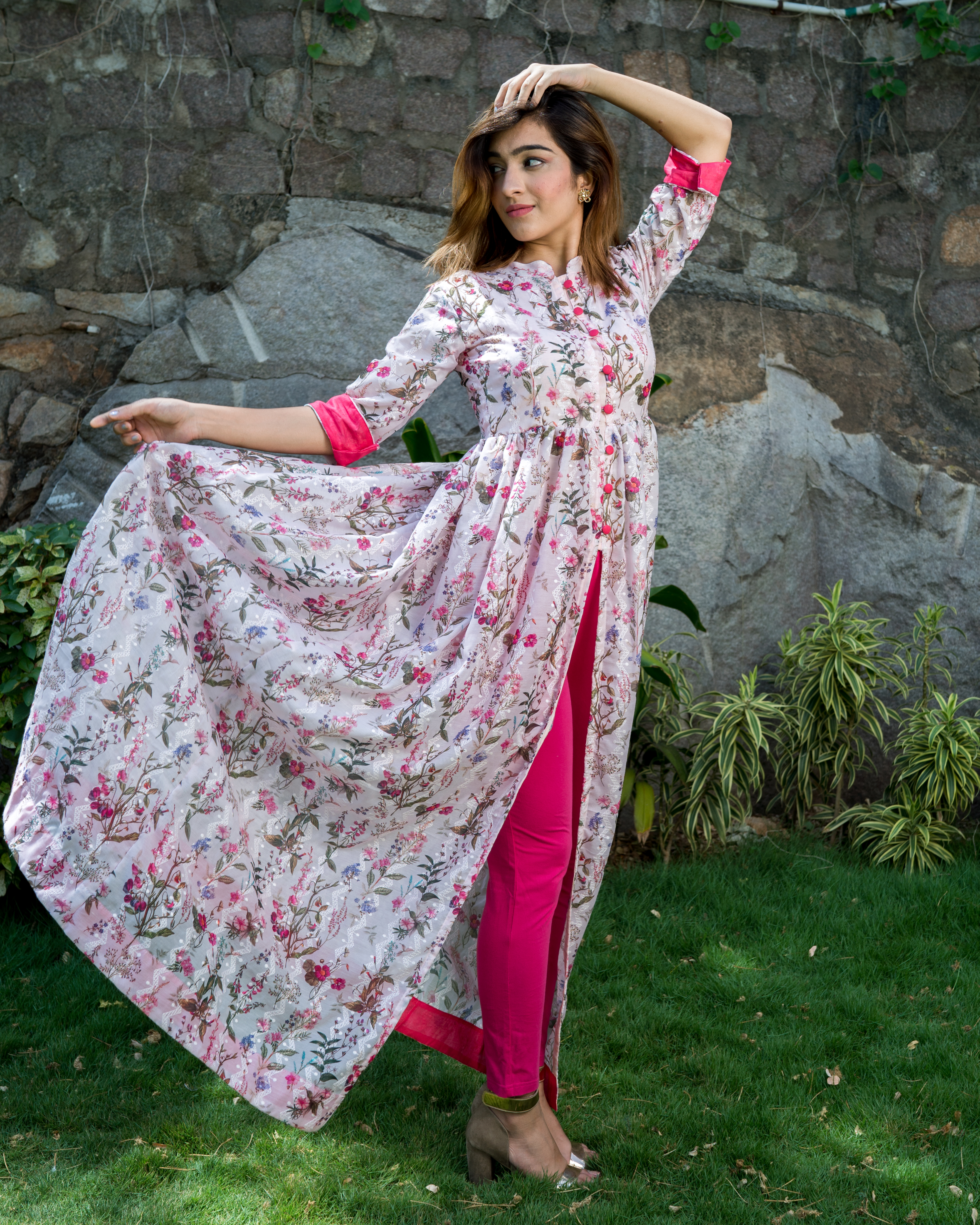Floral printed cotton silk cape  with thread embroidery