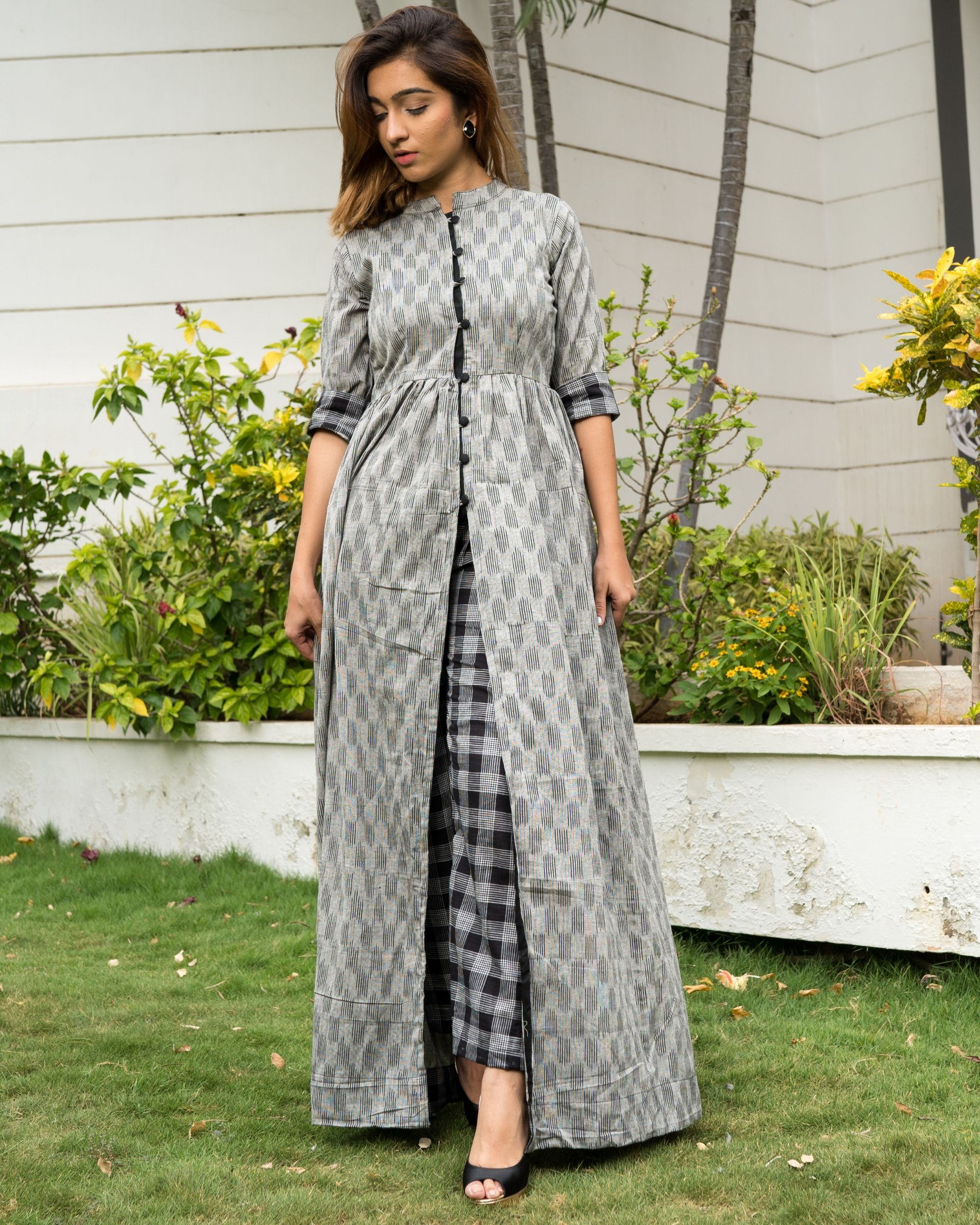 Grey ikkat cape with black checks pants - Set of Two