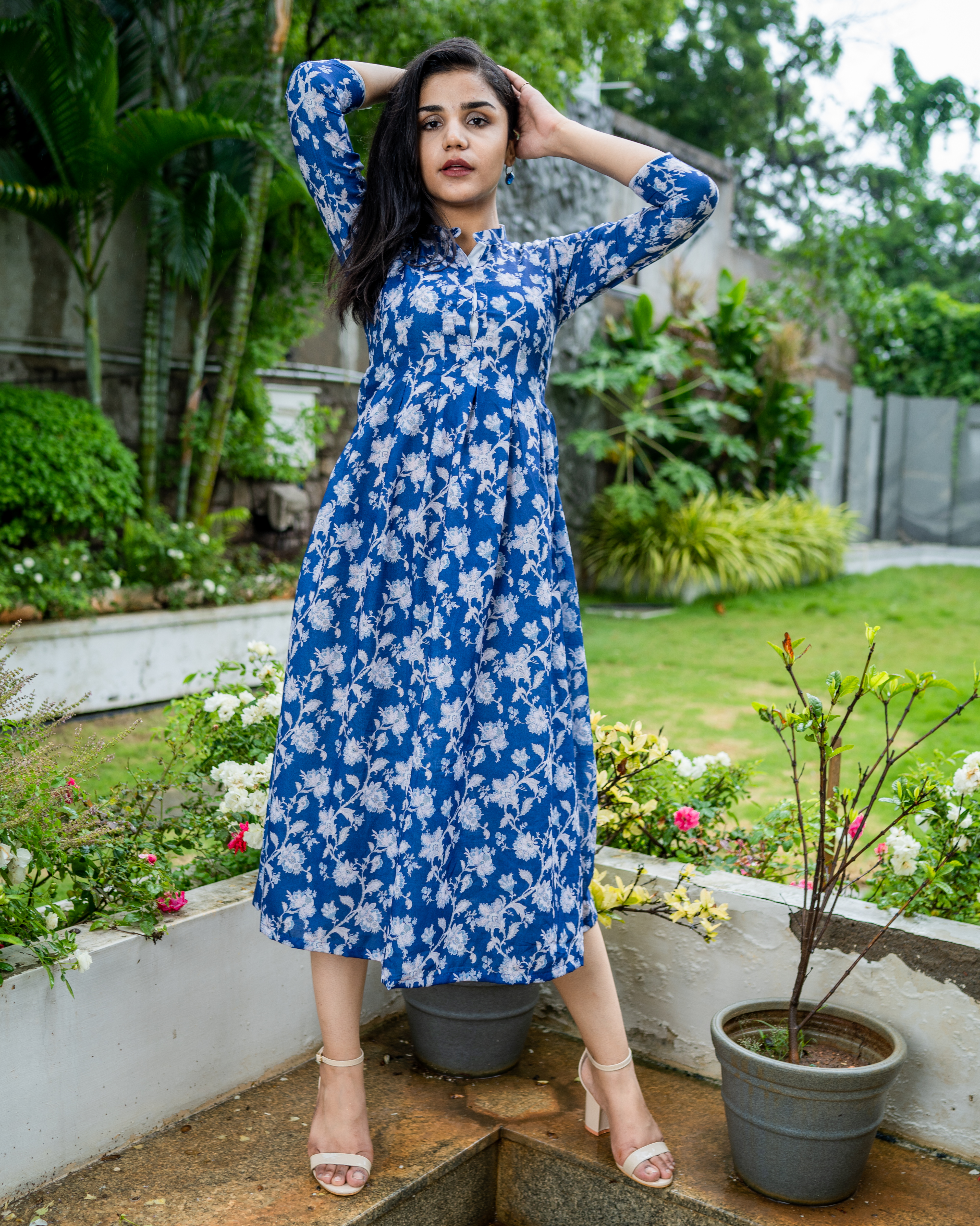 Blue printed dress with box pleats