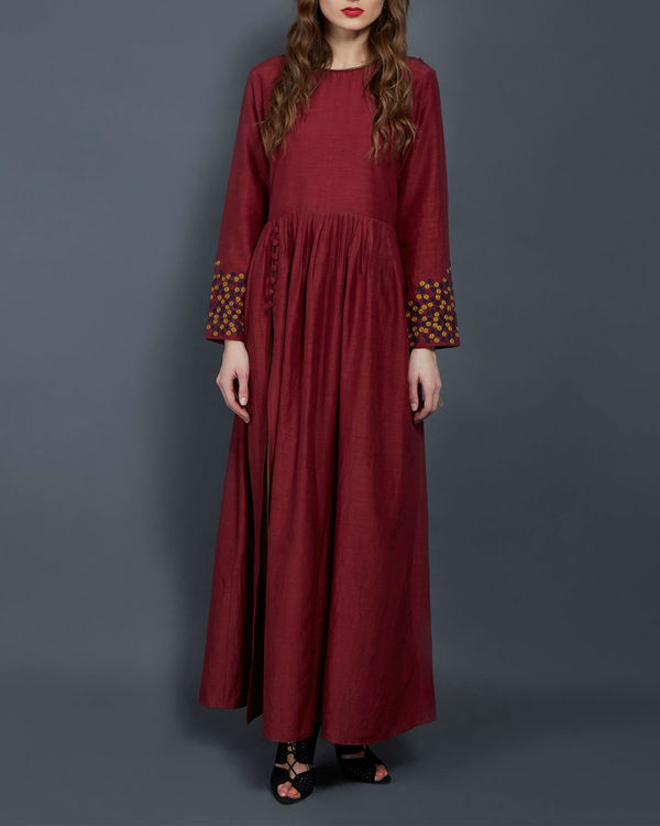 Wine tunic with embroidered sleeves