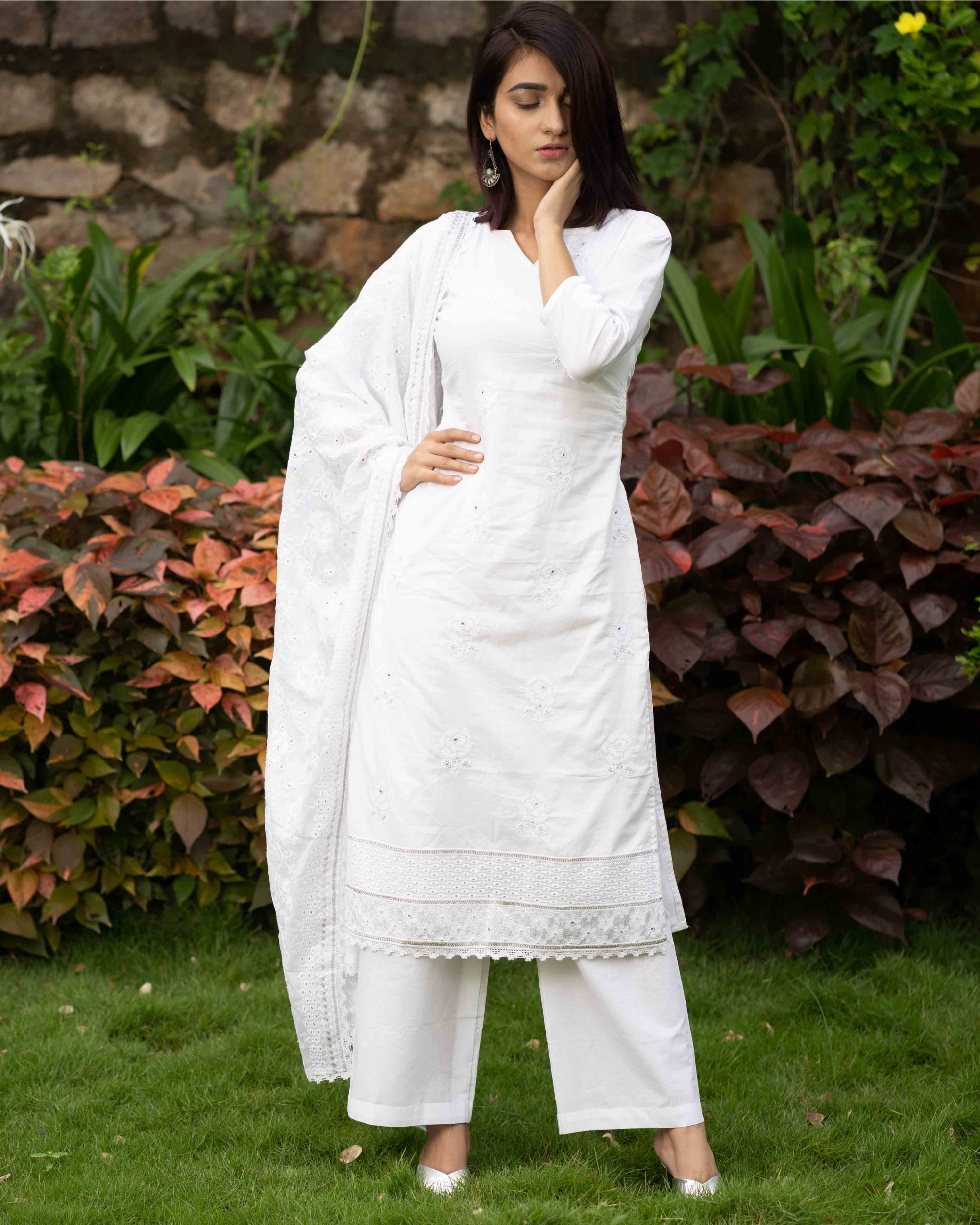 White embroidered kurta set with chikankari dupatta - set of three