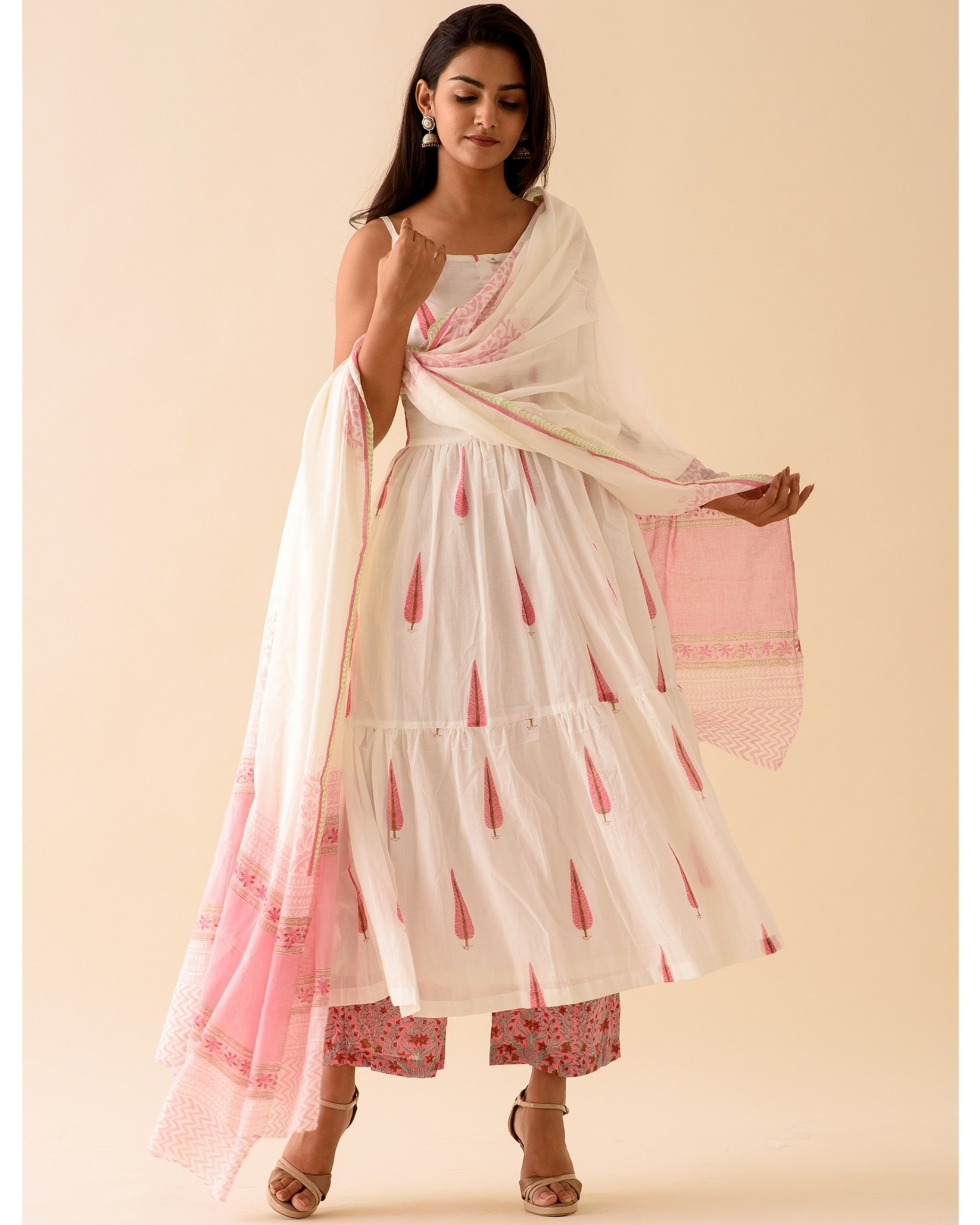 Pink leaf block printed kurta with palazzo and dupatta-set of three