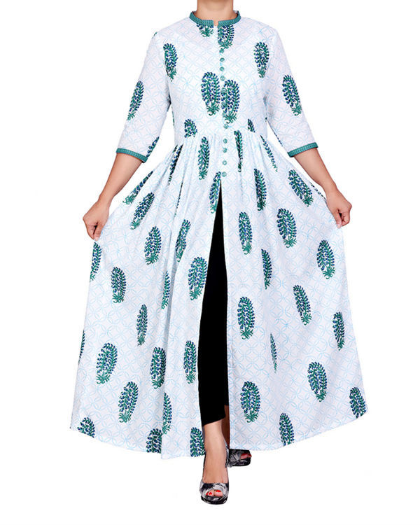 White block printed cape with slit