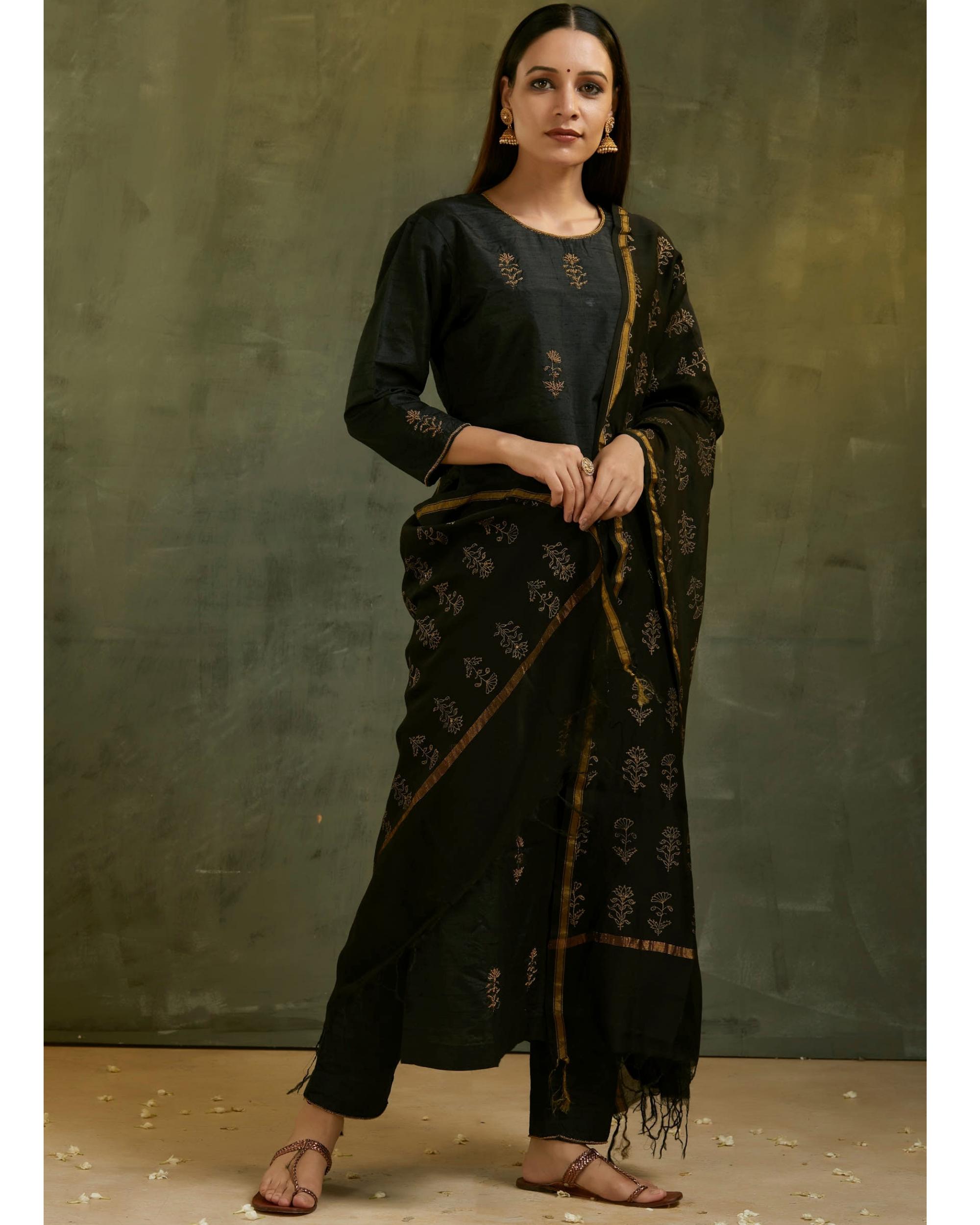 Charcoal black aari embroidered kurta set with black dupatta- Set of three