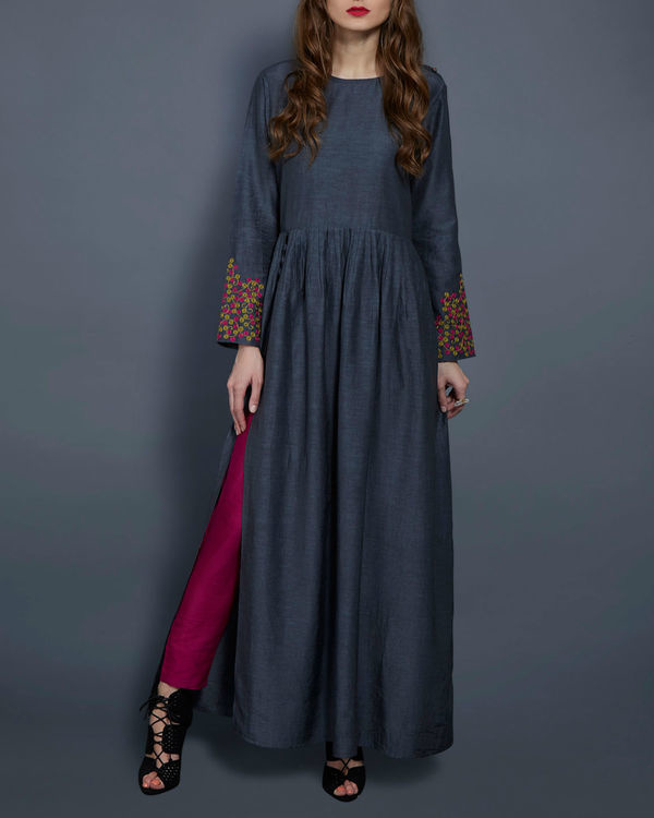 Grey tunic with embroidered sleeves