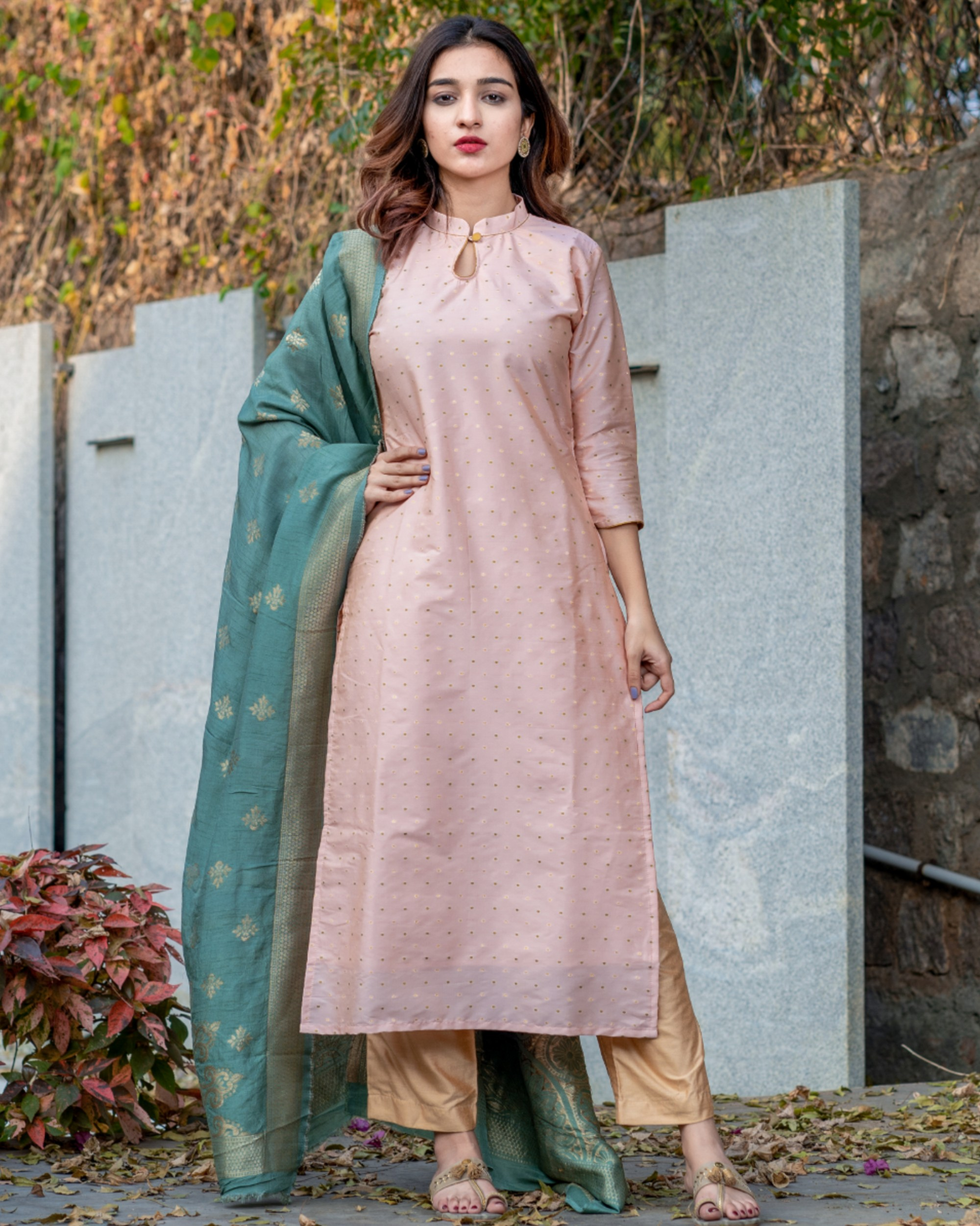Pearl pink banarasi kurta and pants set with teal blue dupatta- set of three