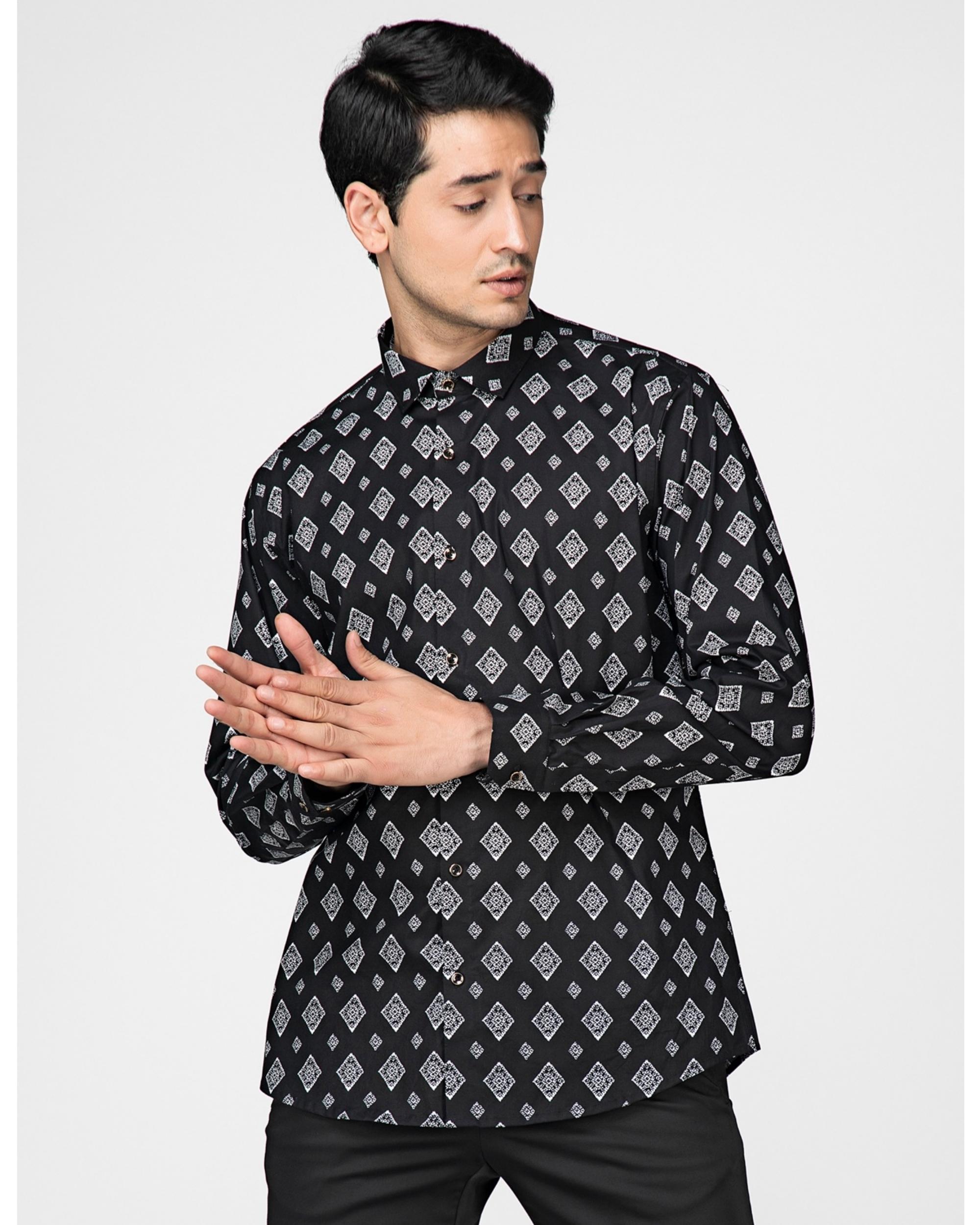 Black and white diamond printed shirt