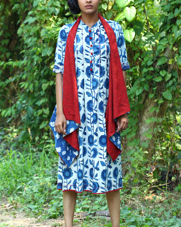 Floral indigo tunic with buttons