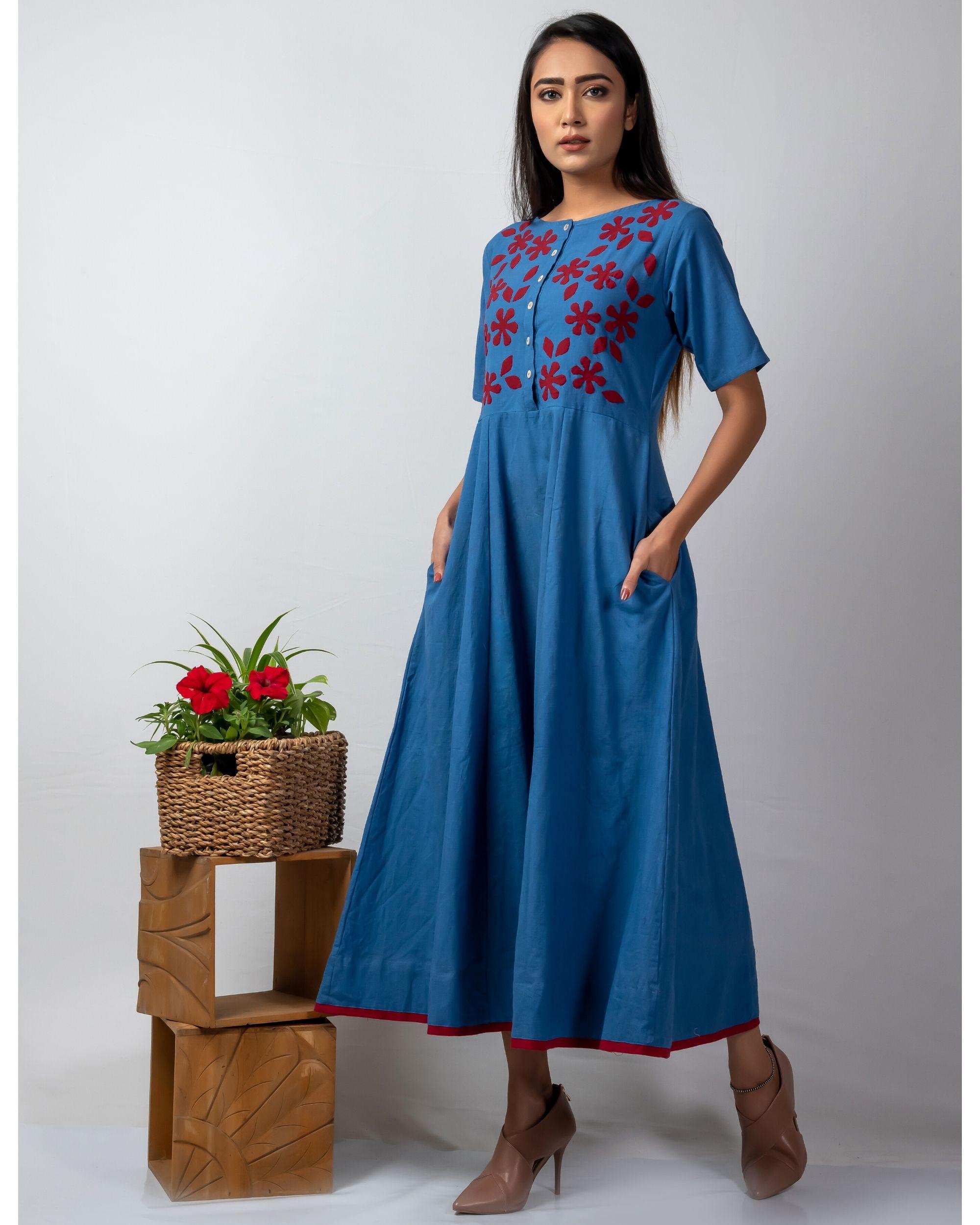 Blue floral applique buttoned kalidaar kurta