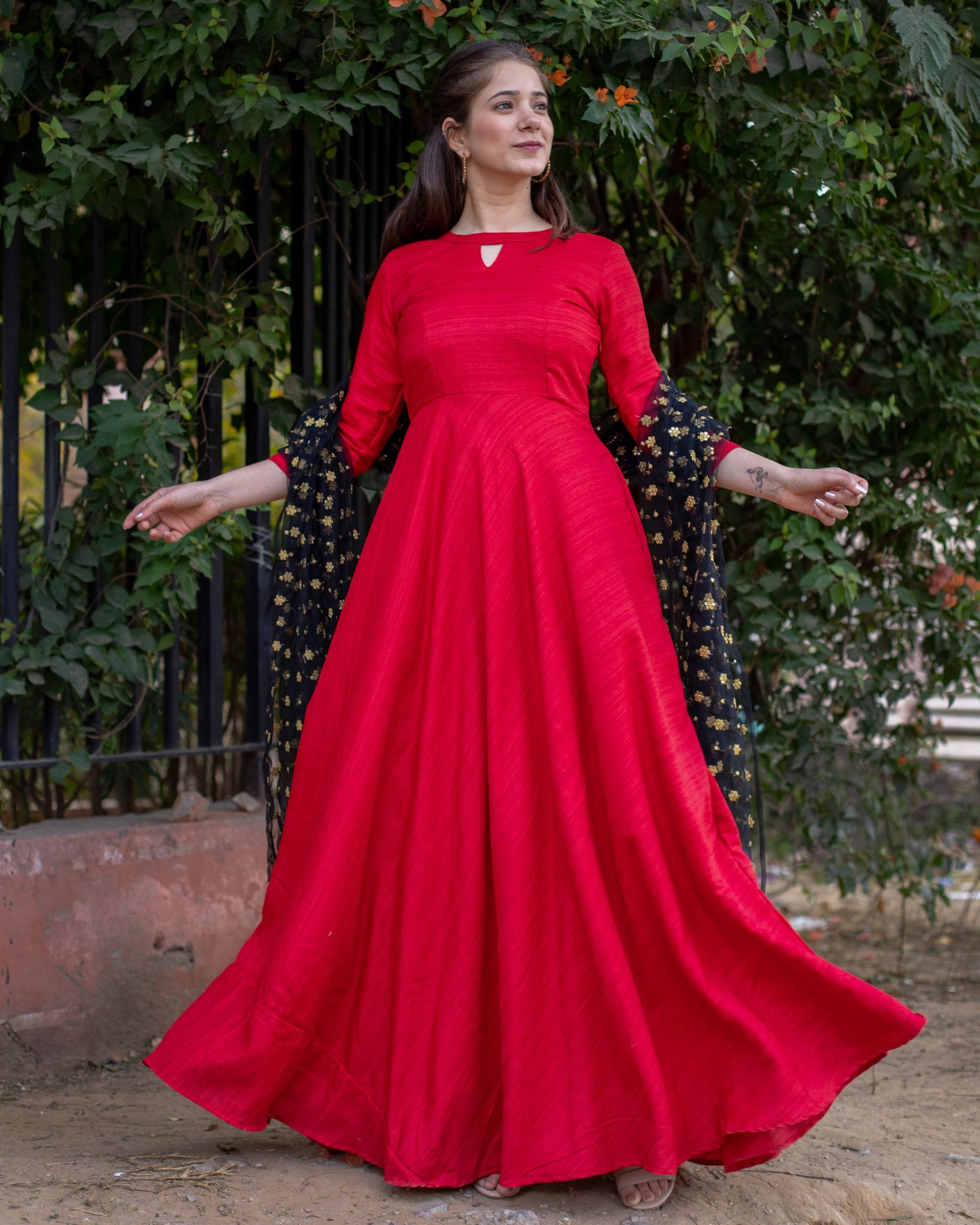 Red flared anarkali and embroidered dupatta- Set Of Two