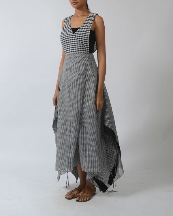 Chequered overlapping dress