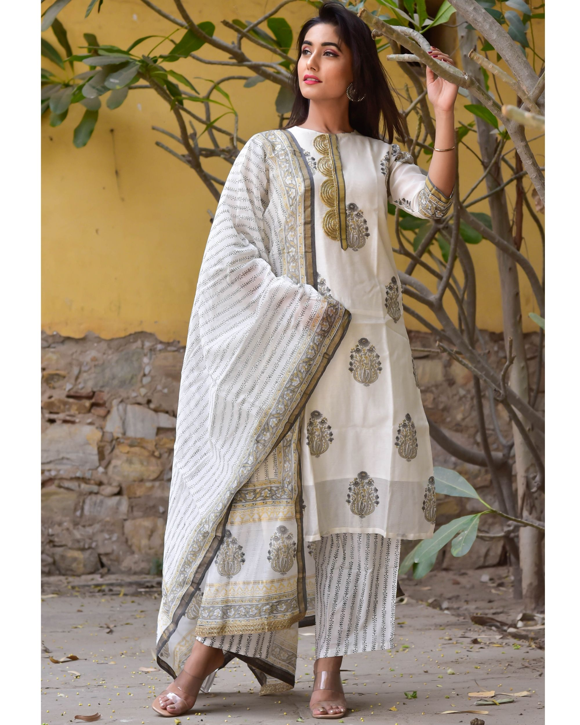 Grey and white mughal gota kurta and pants with dupatta- Set Of Three