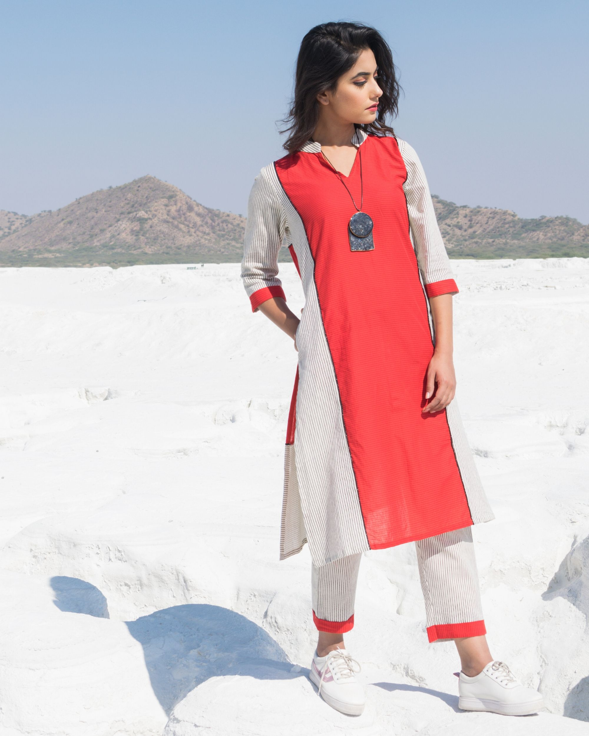 Red and white paneled strip kurta and pants- Set Of Two