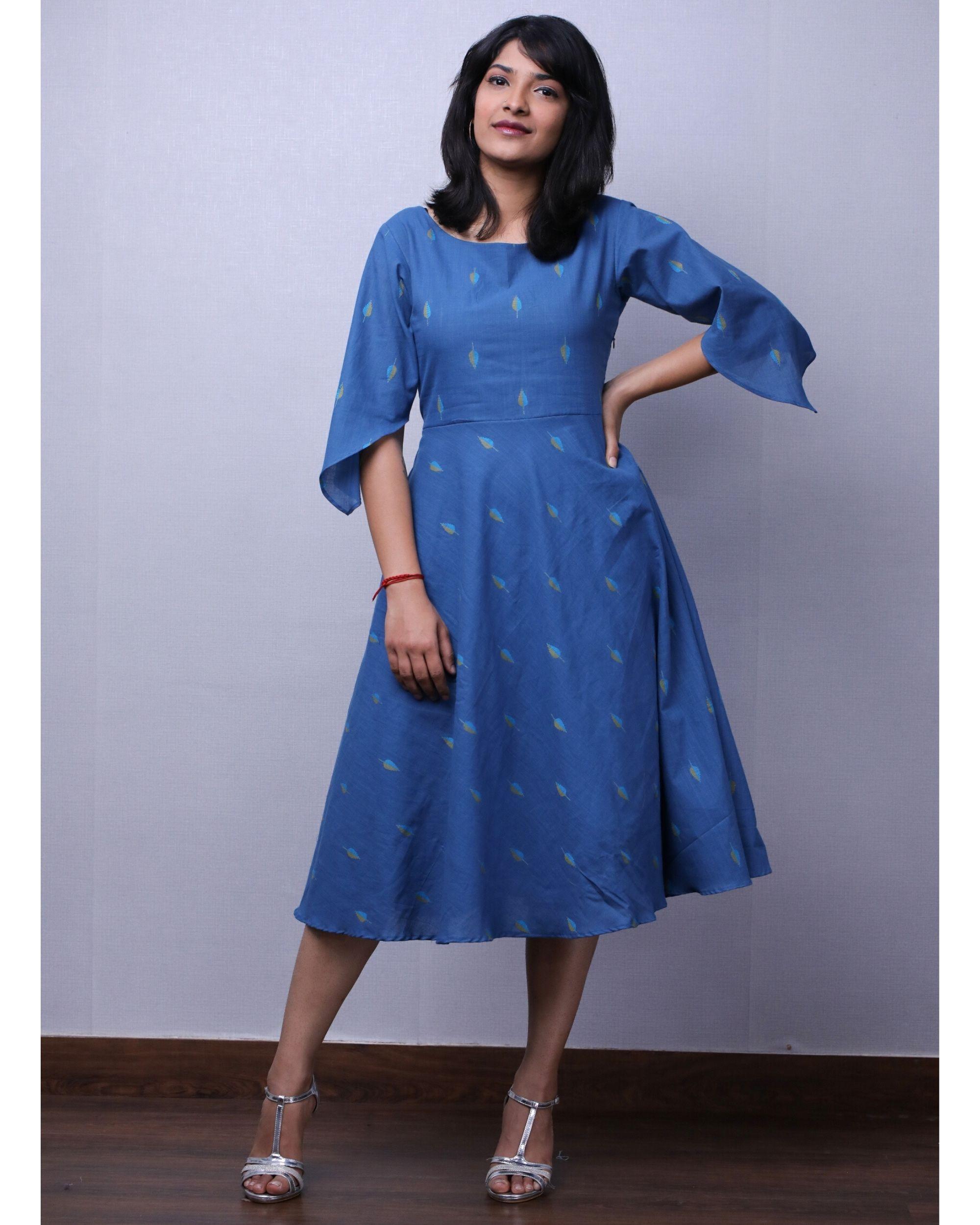Blue jacquard printed short dress