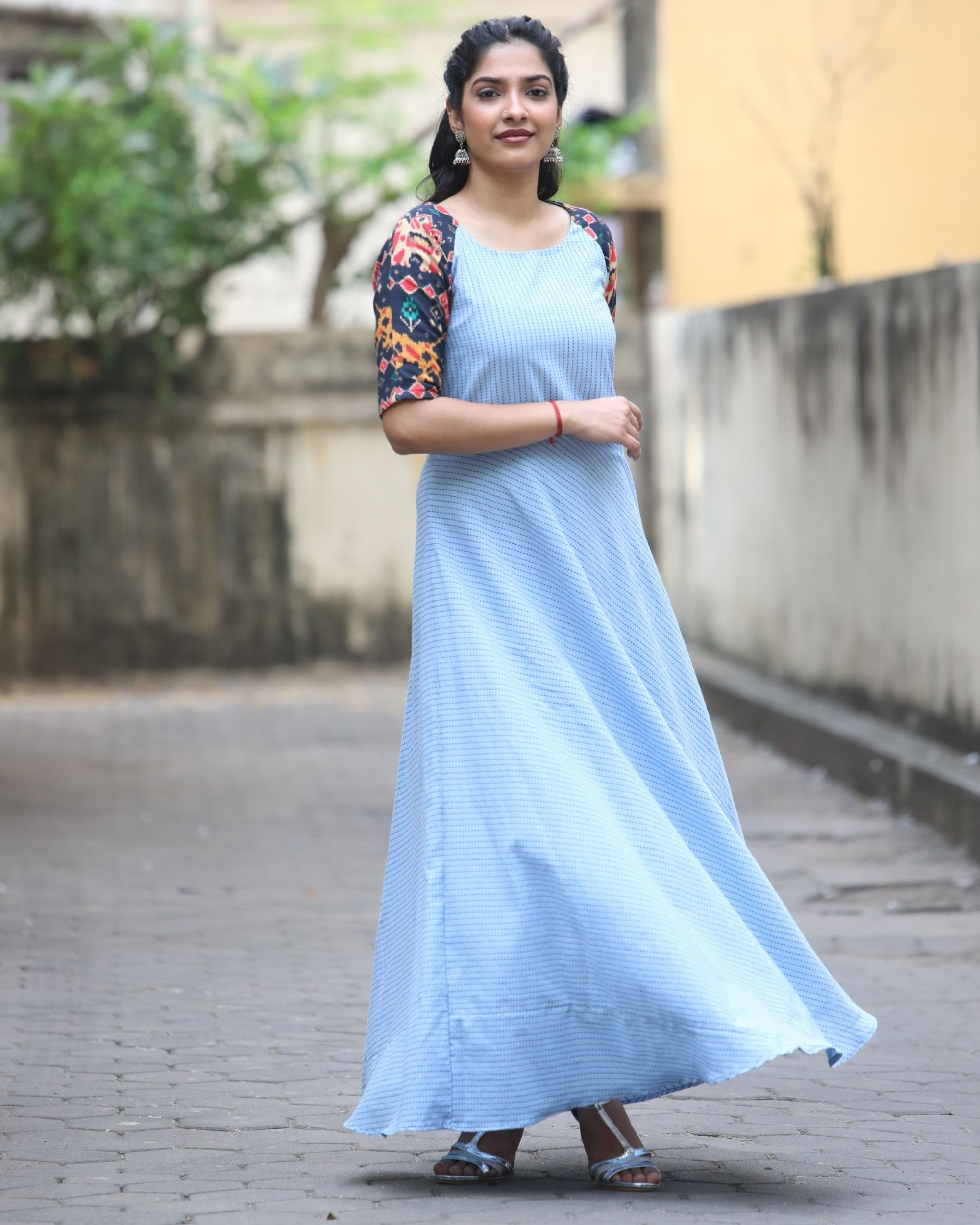 Blue raglan maxi dress with contrast sleeves