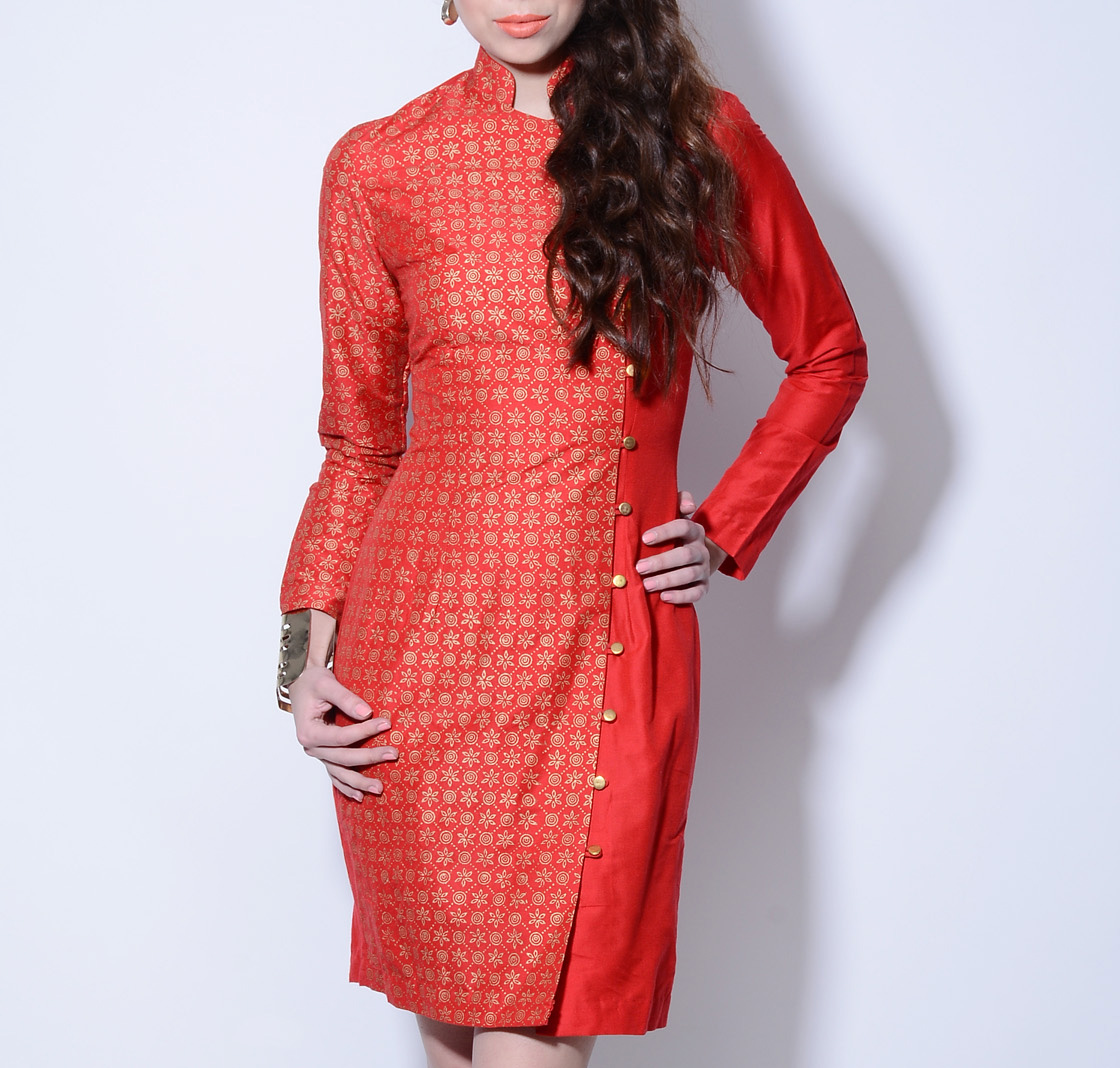 Red foil printed dress with asymmetrical buttoning