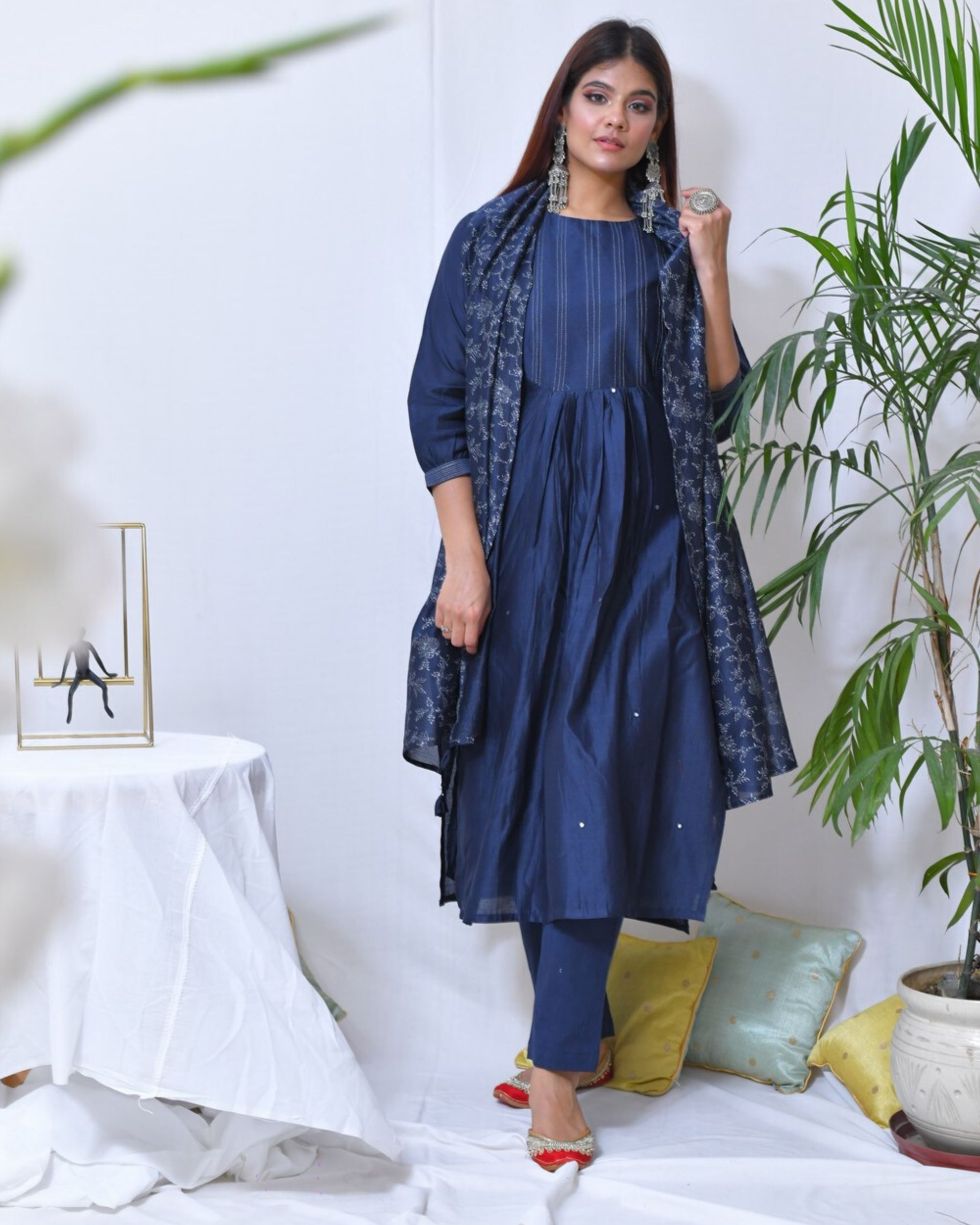 Blue mirror work striped kurta and pants with stole- Set Of Three