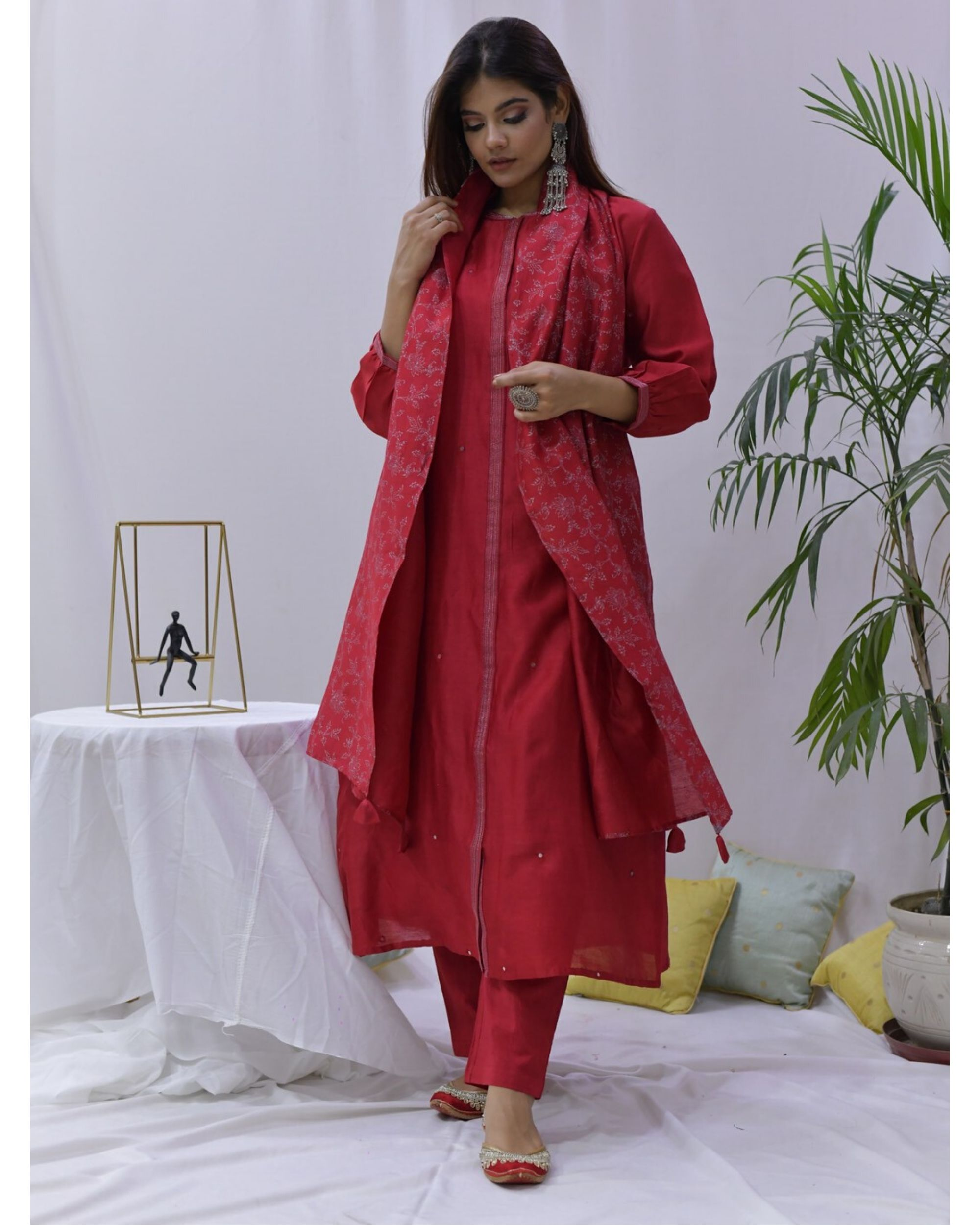 Red mirror work paneled kurta and pants with stole- Set Of Three