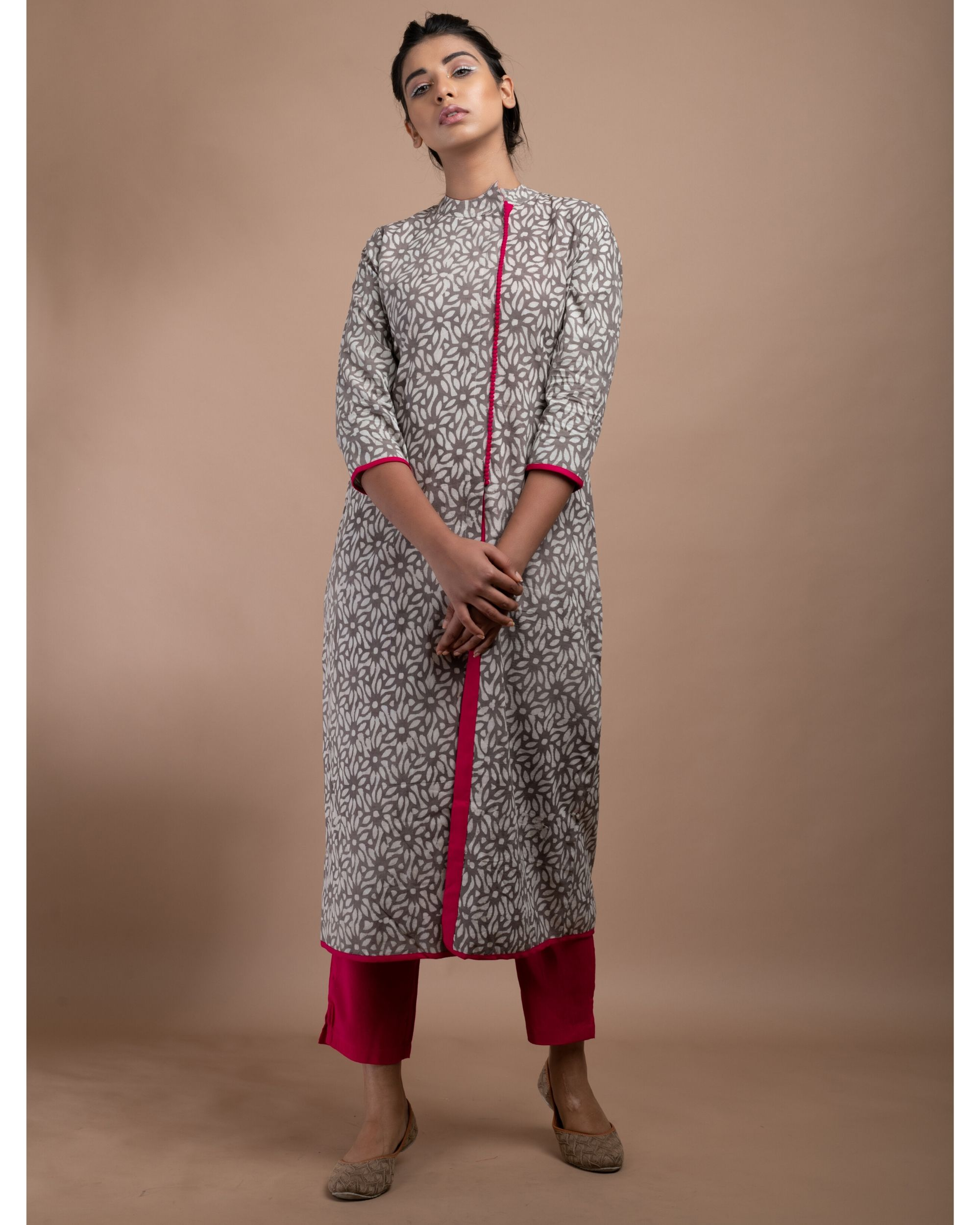 Grey and pink floral pom pom kurta with straight pants - Set Of Two