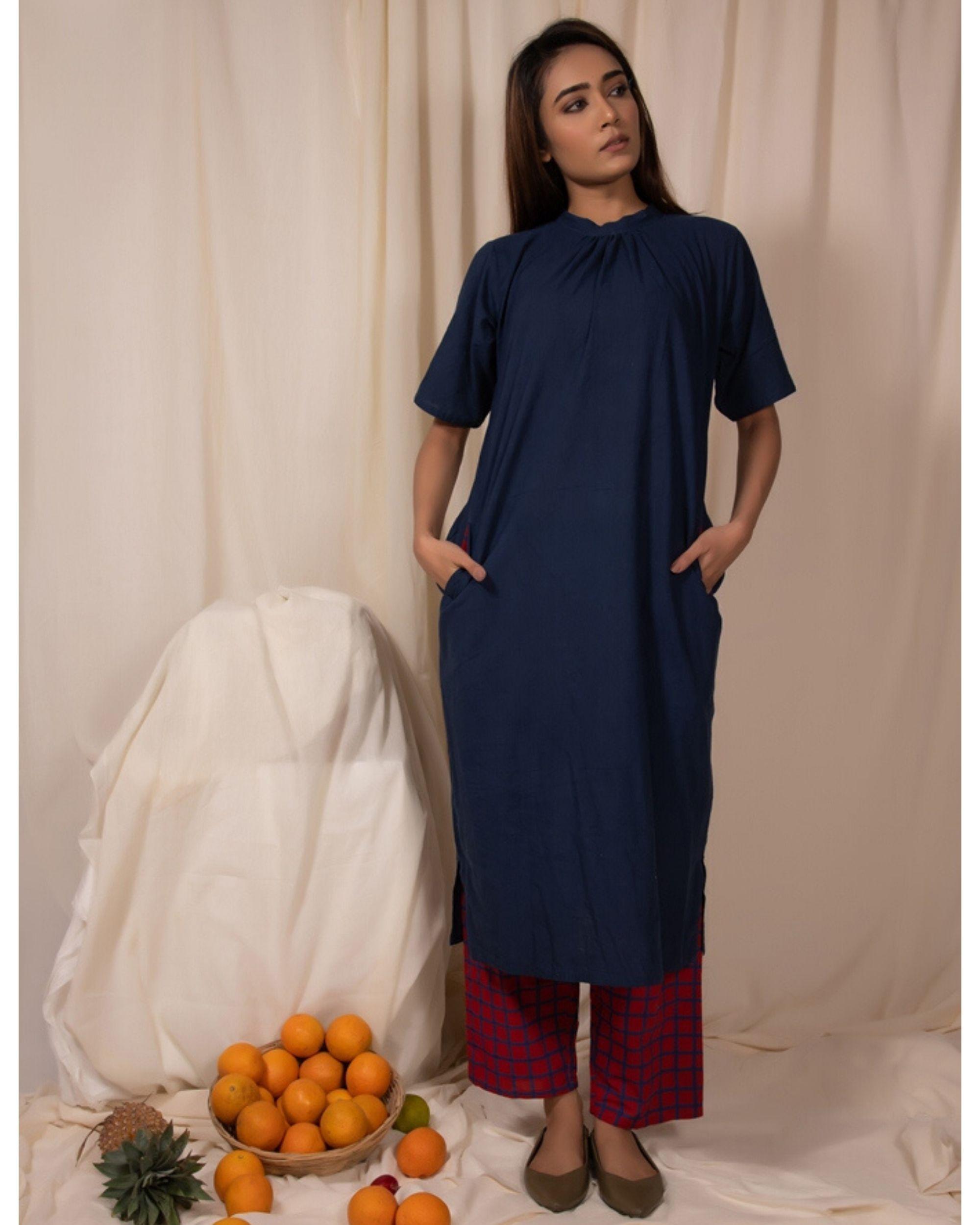 Indigo closed neck kurta with pockets