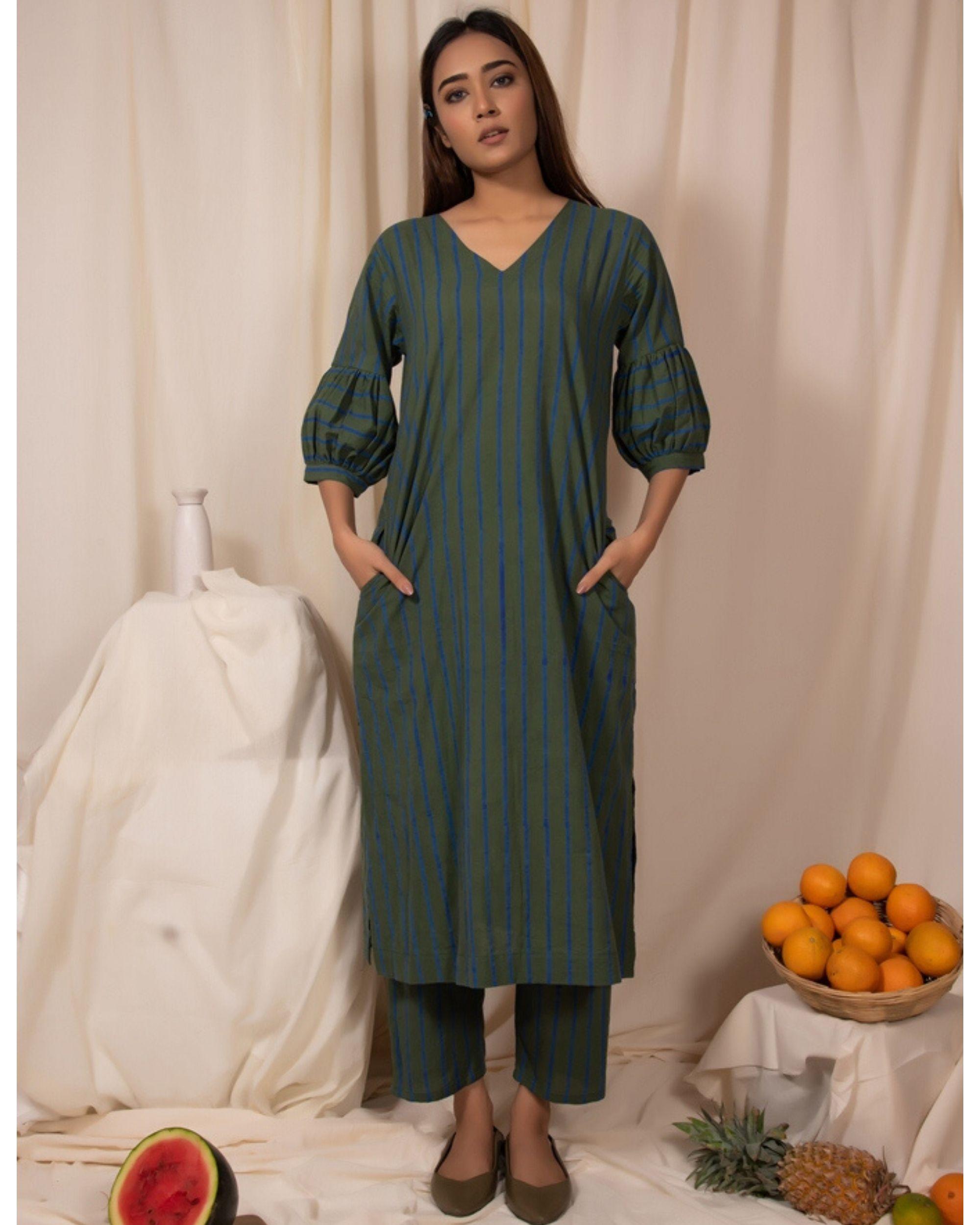 Dark green striped kurta and pants- Set Of Two