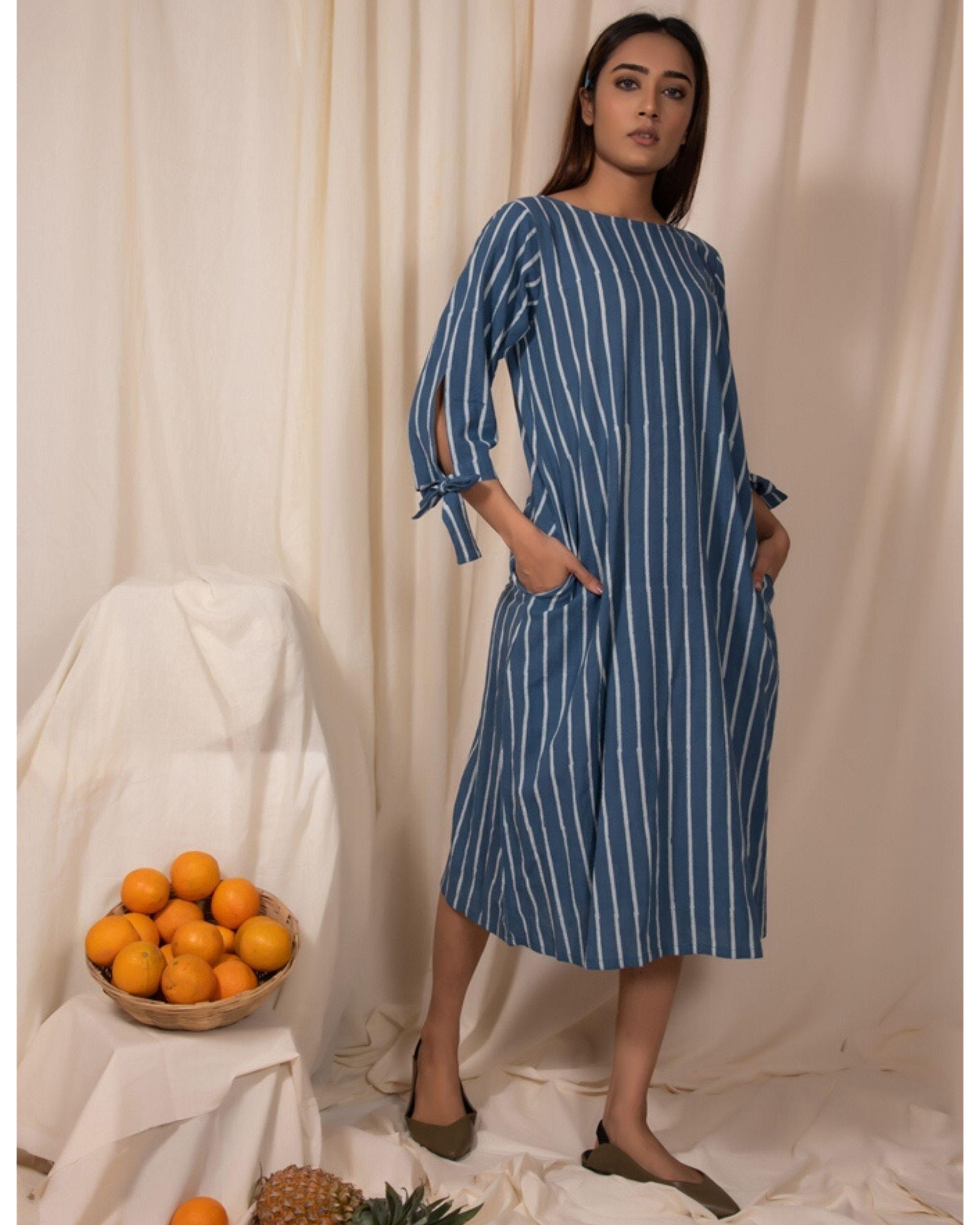 Blue striped tie-up sleeve kurta