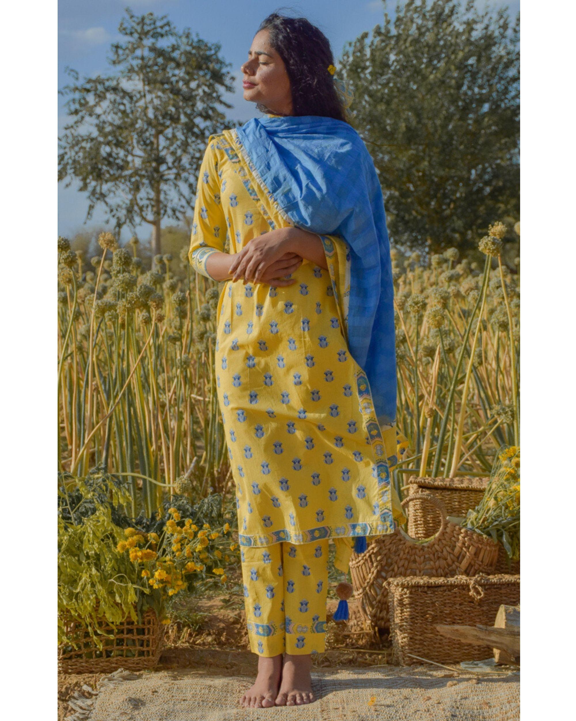 Yellow floral printed kurta and pants with dupatta- Set Of Three