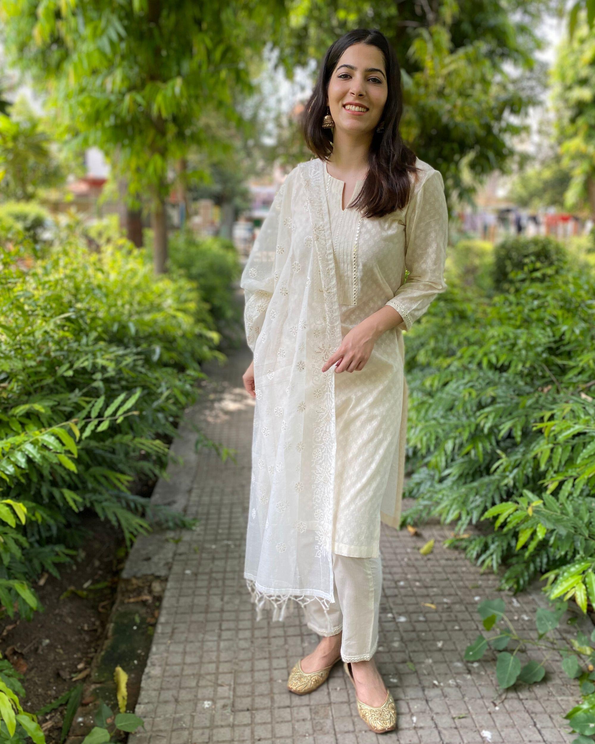 Cream mirror work kurta and pants with kota dupatta- Set Of Three