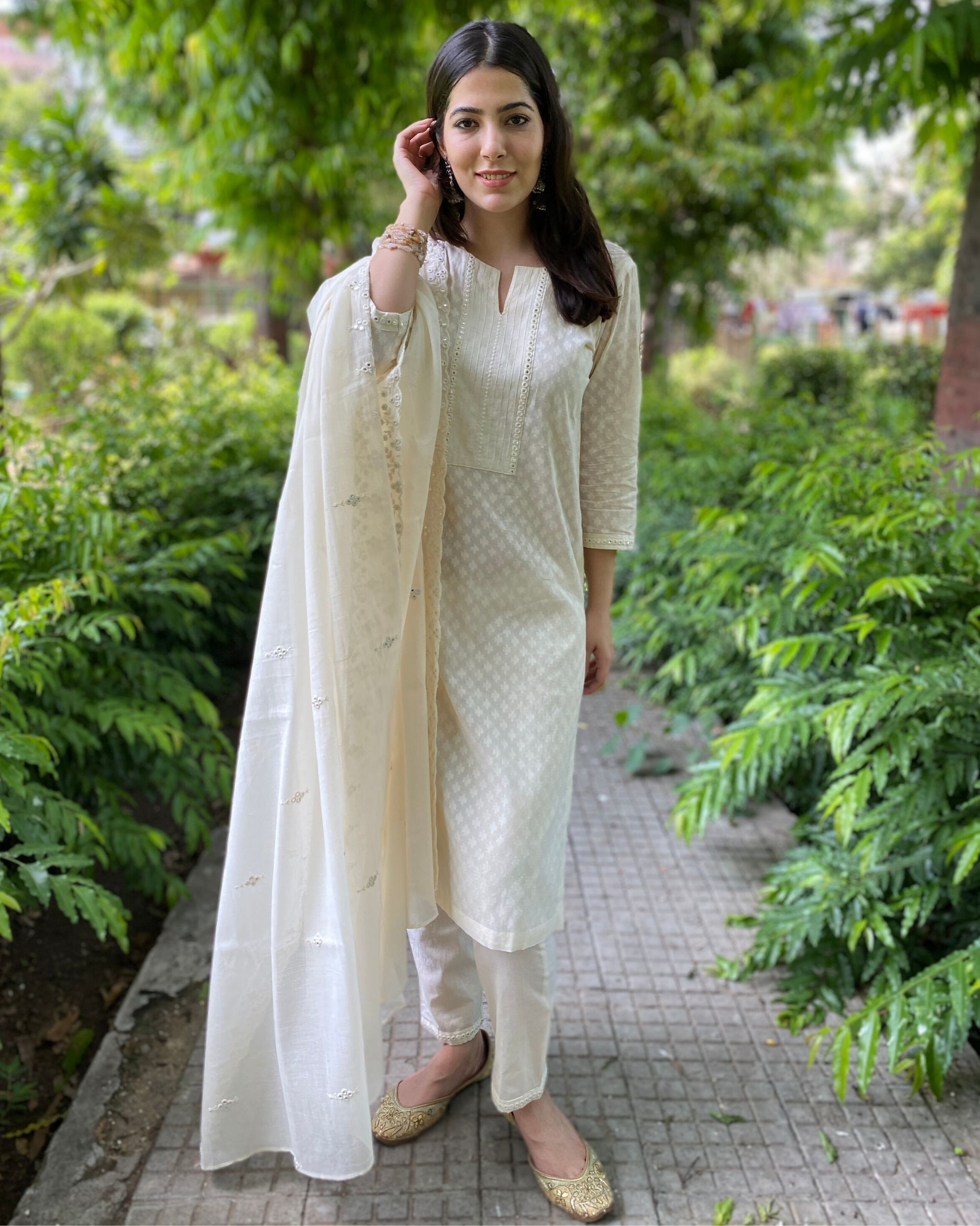 Cream cotton kurta and pants with mirror work mul dupatta- Set Of Three