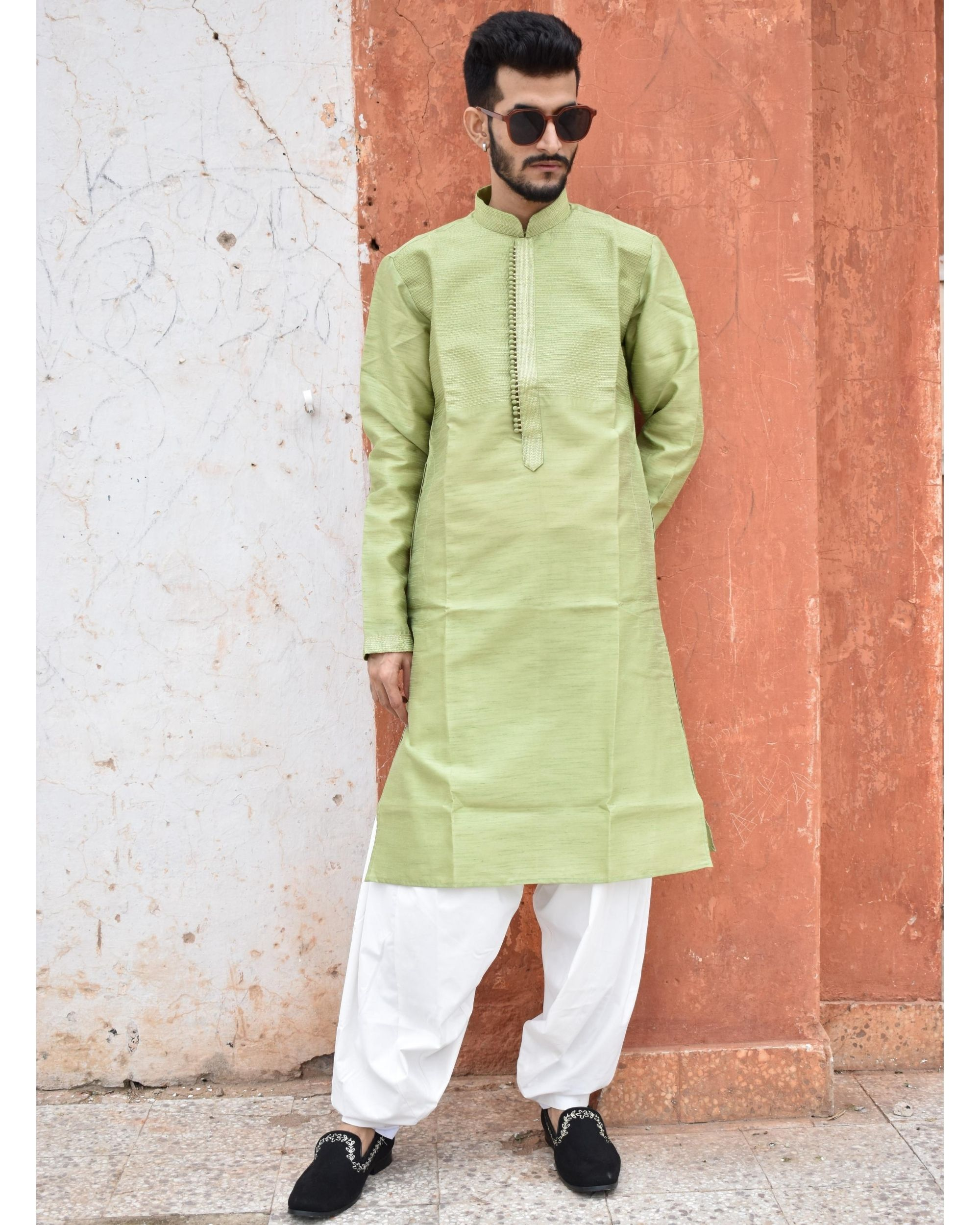 Green yoke detailed kurta and pyjama - Set Of Two