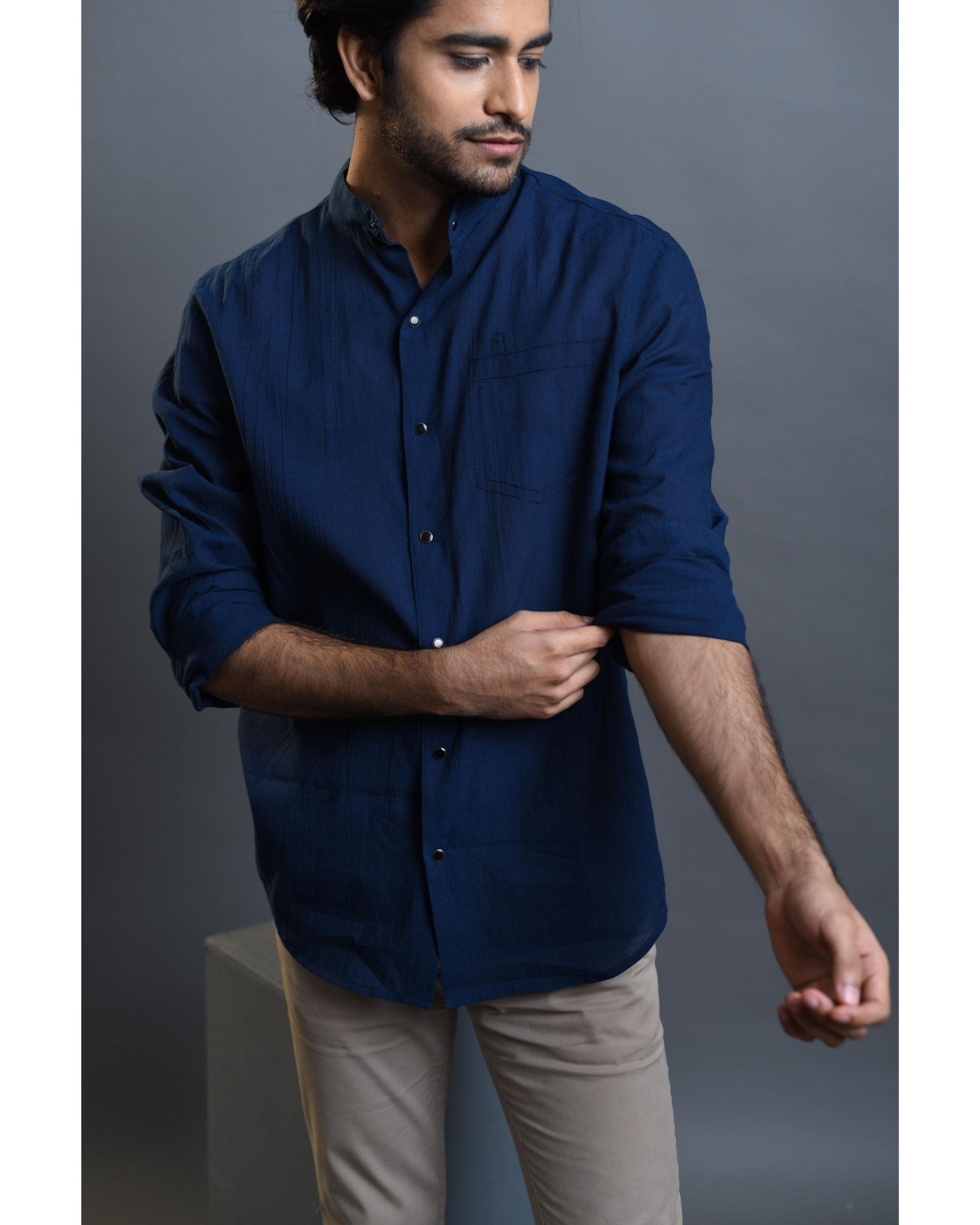 Blue pocket embroidered shirt