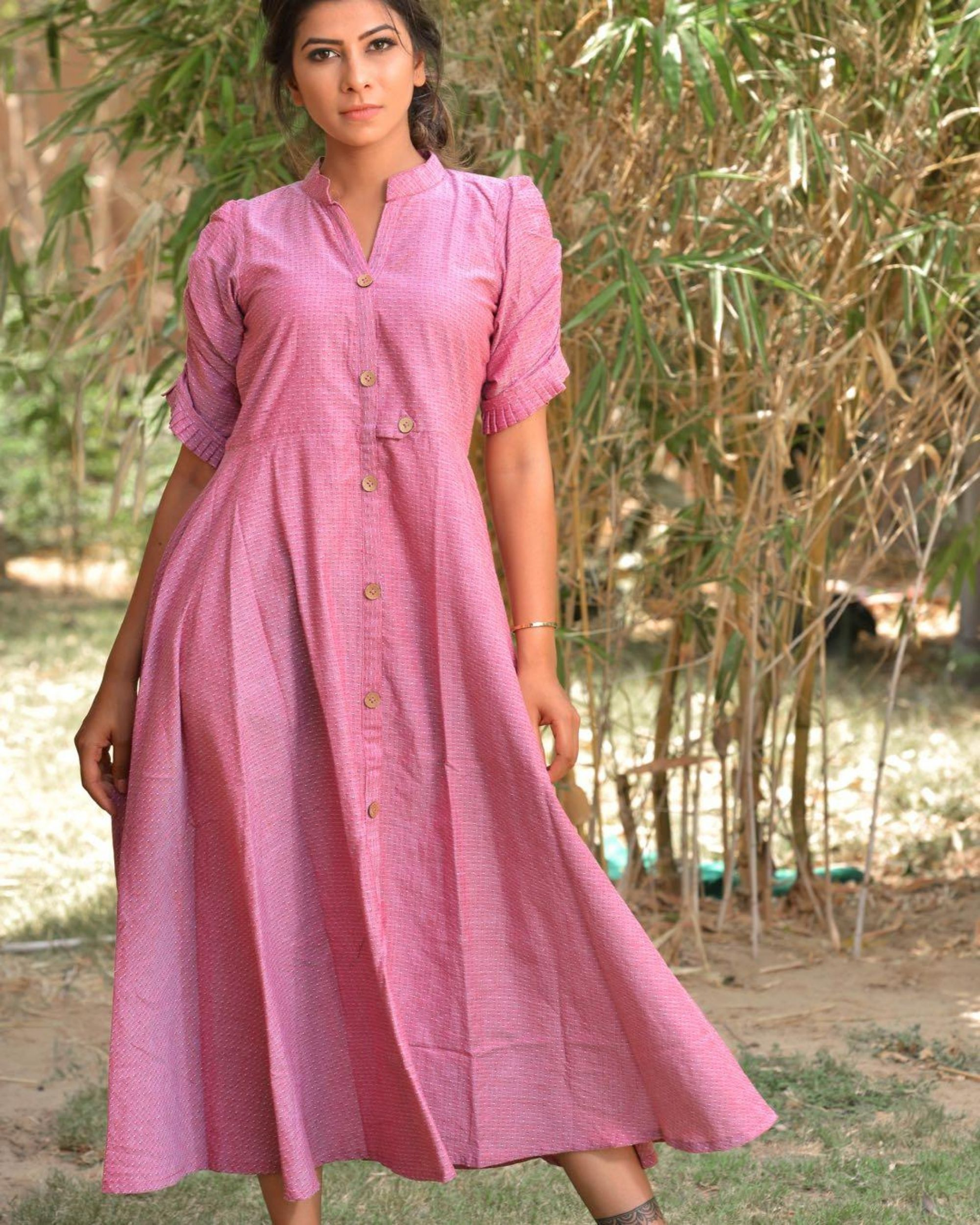 Retro pink buttoned dress