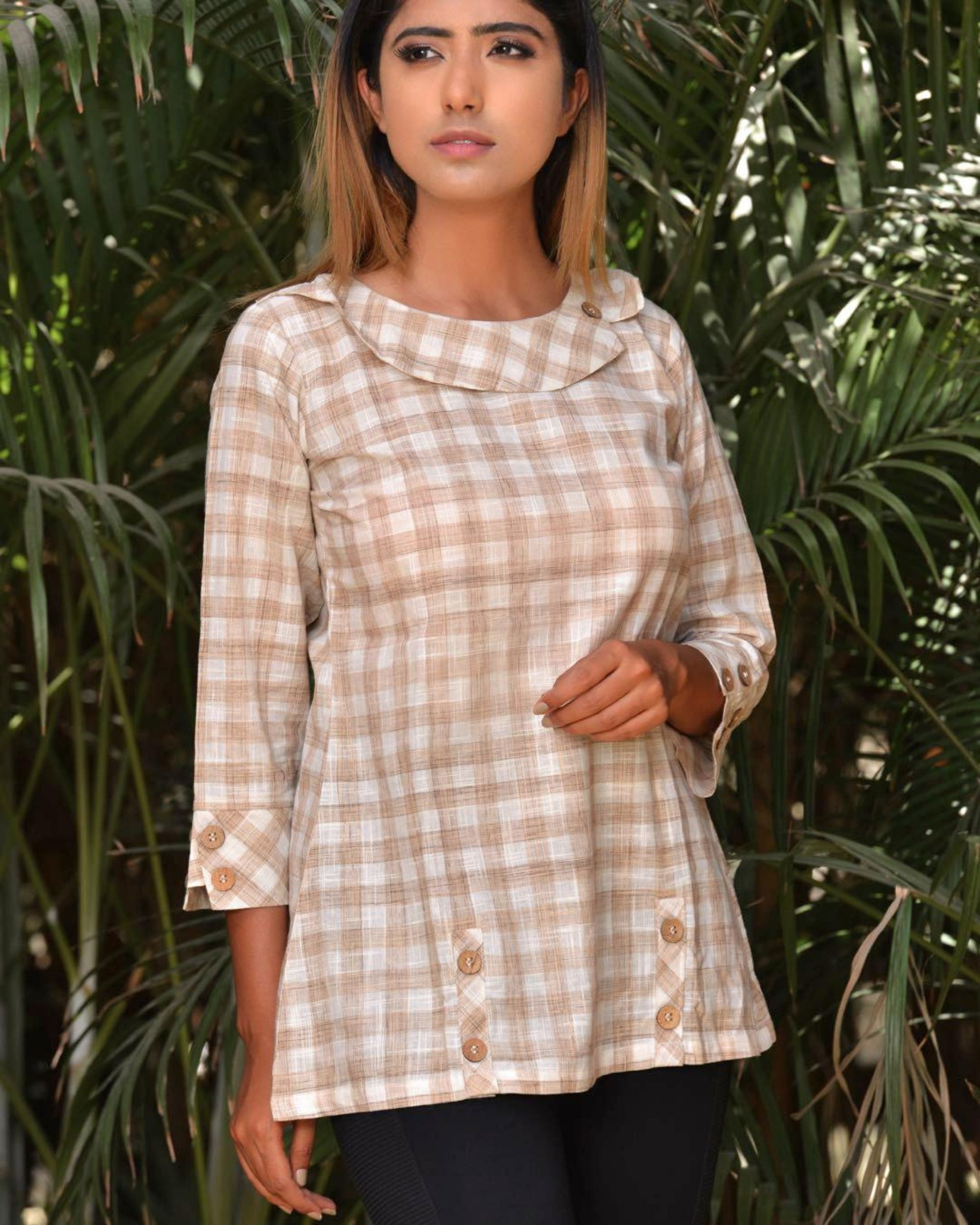 Beige and white checkered top