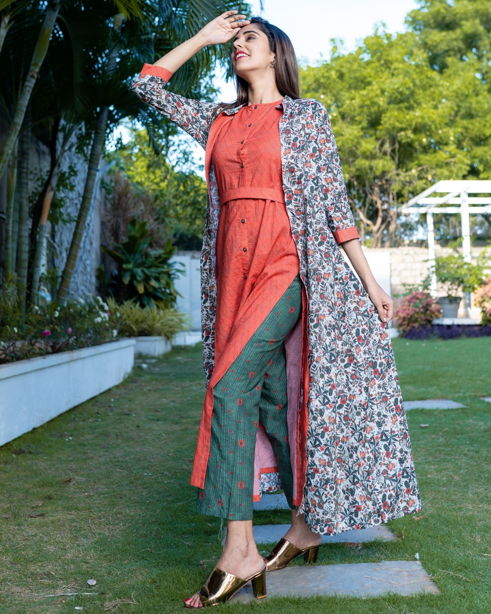 Red striped buttoned dress with floral printed jacket and pants - Set Of Three