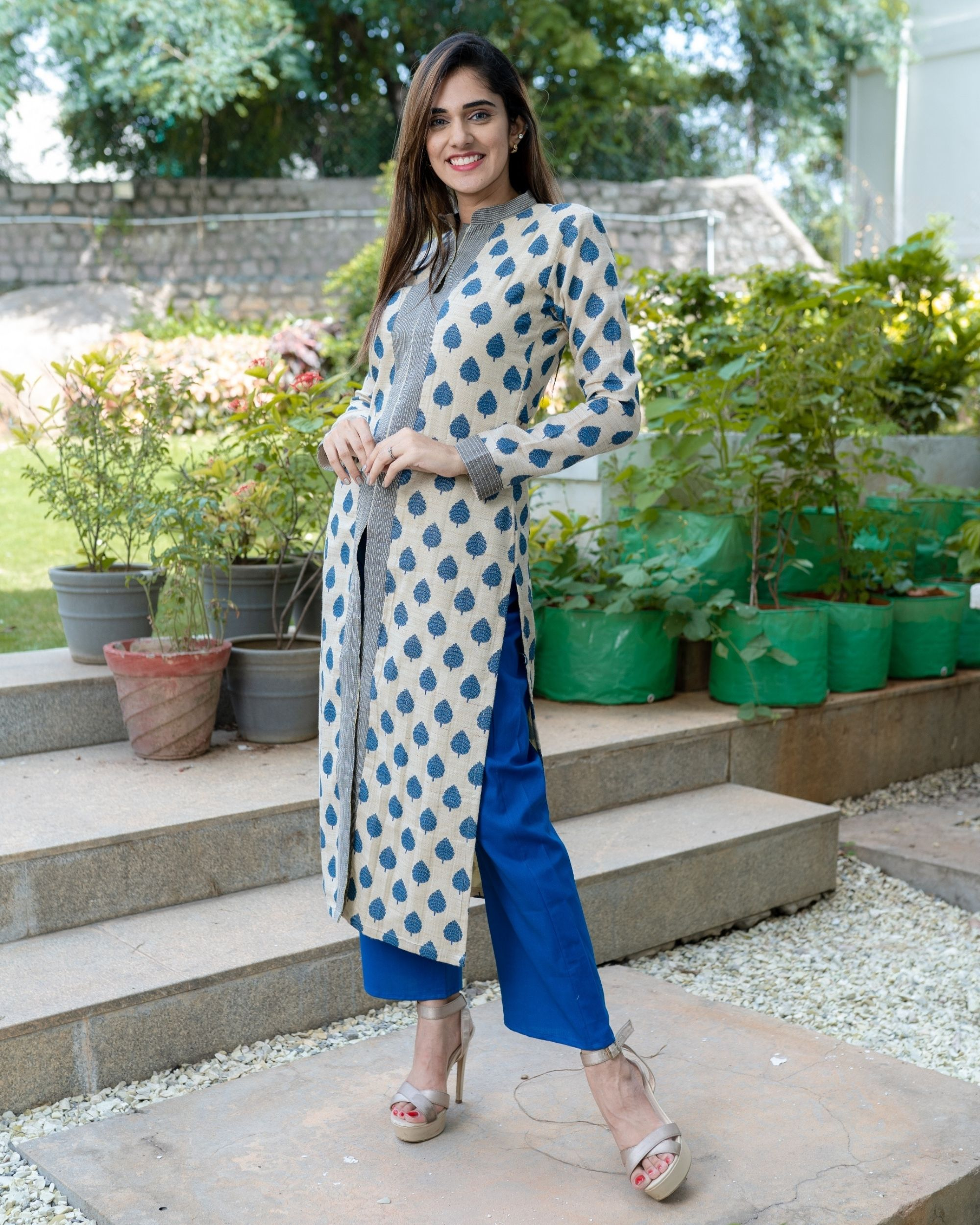 Off white and blue leaf printed slit kurta and pants - Set Of Two