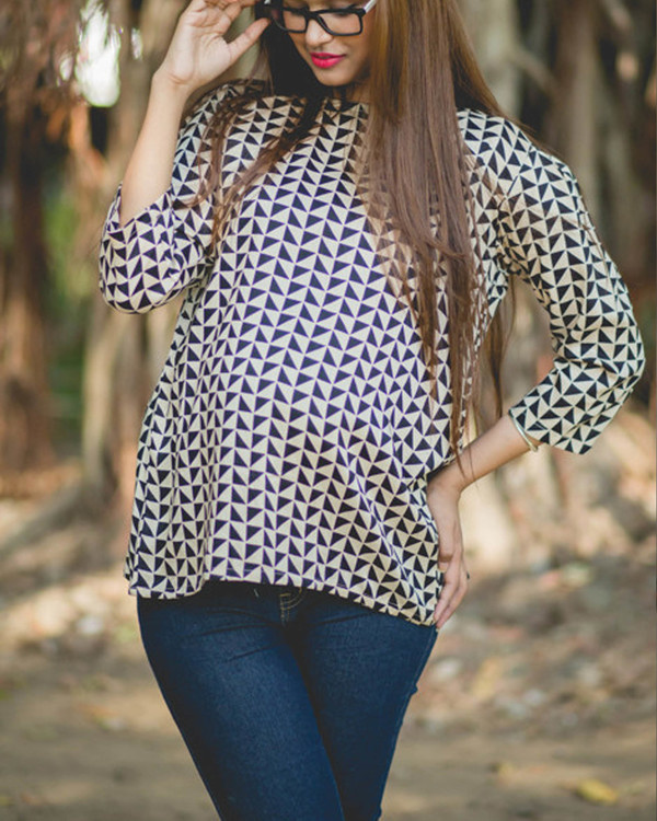 Geometrical print maternity top