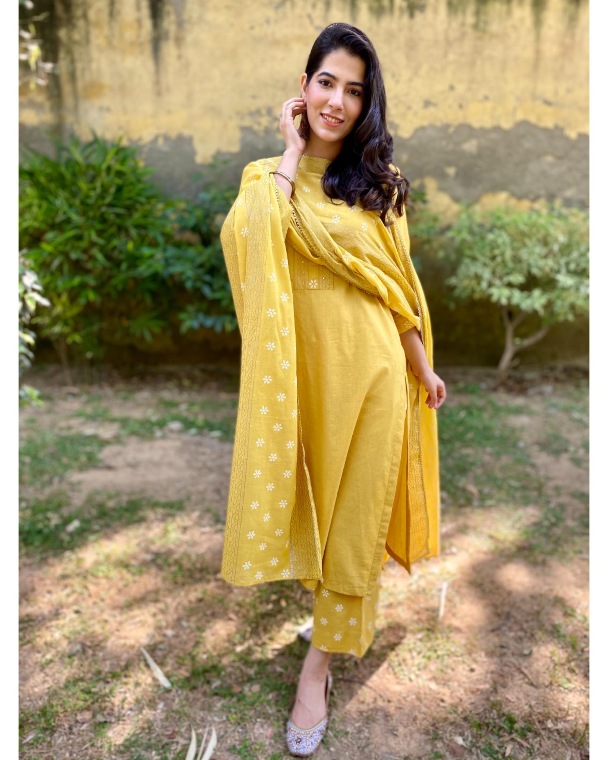 Canary yellow block printed kurta and pants with dupatta - Set Of Three