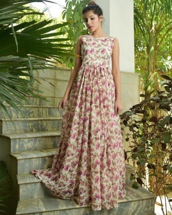 Floral gathered maxi dress