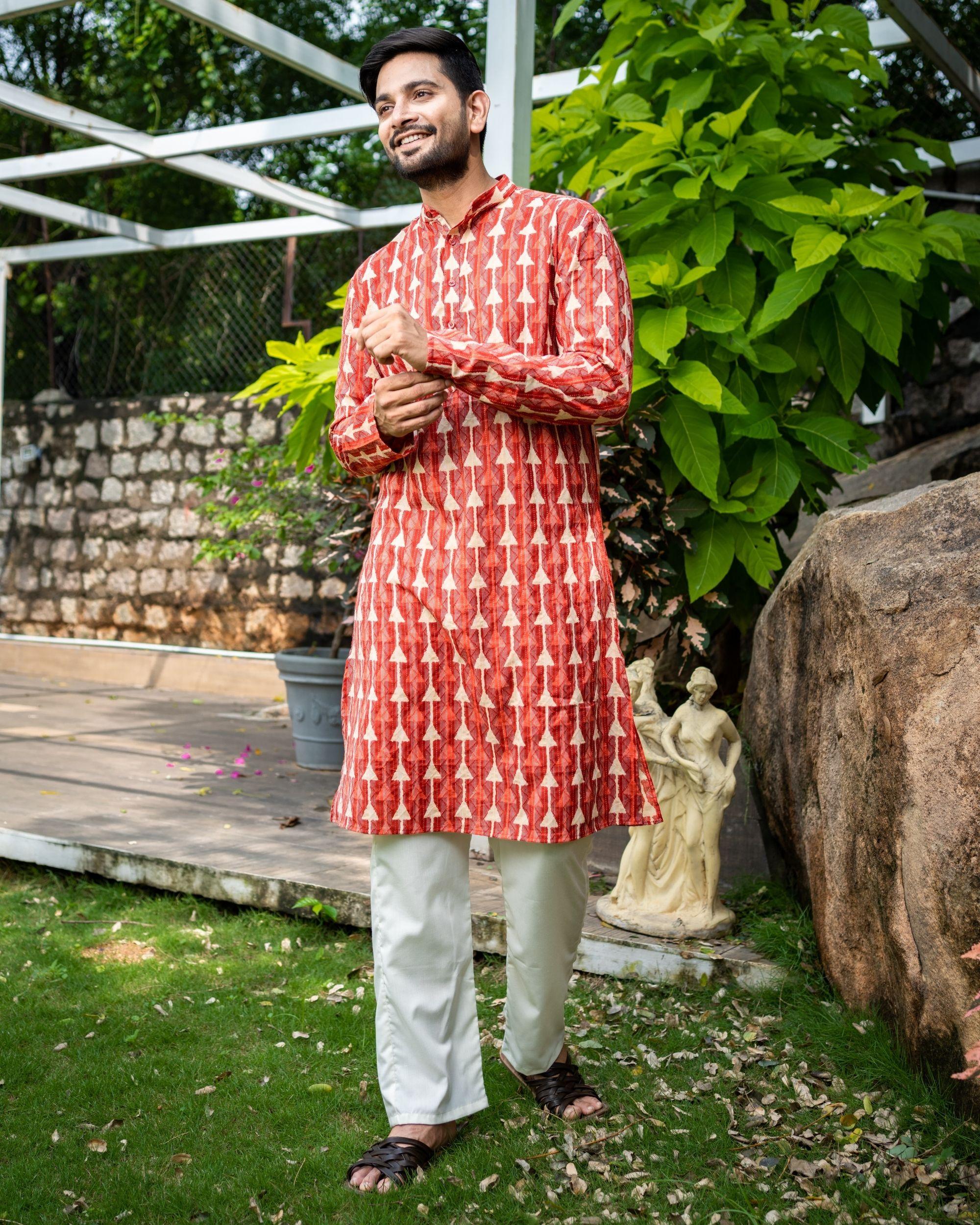 Red printed kantha work cotton kurta with off white pyjama - Set Of Two