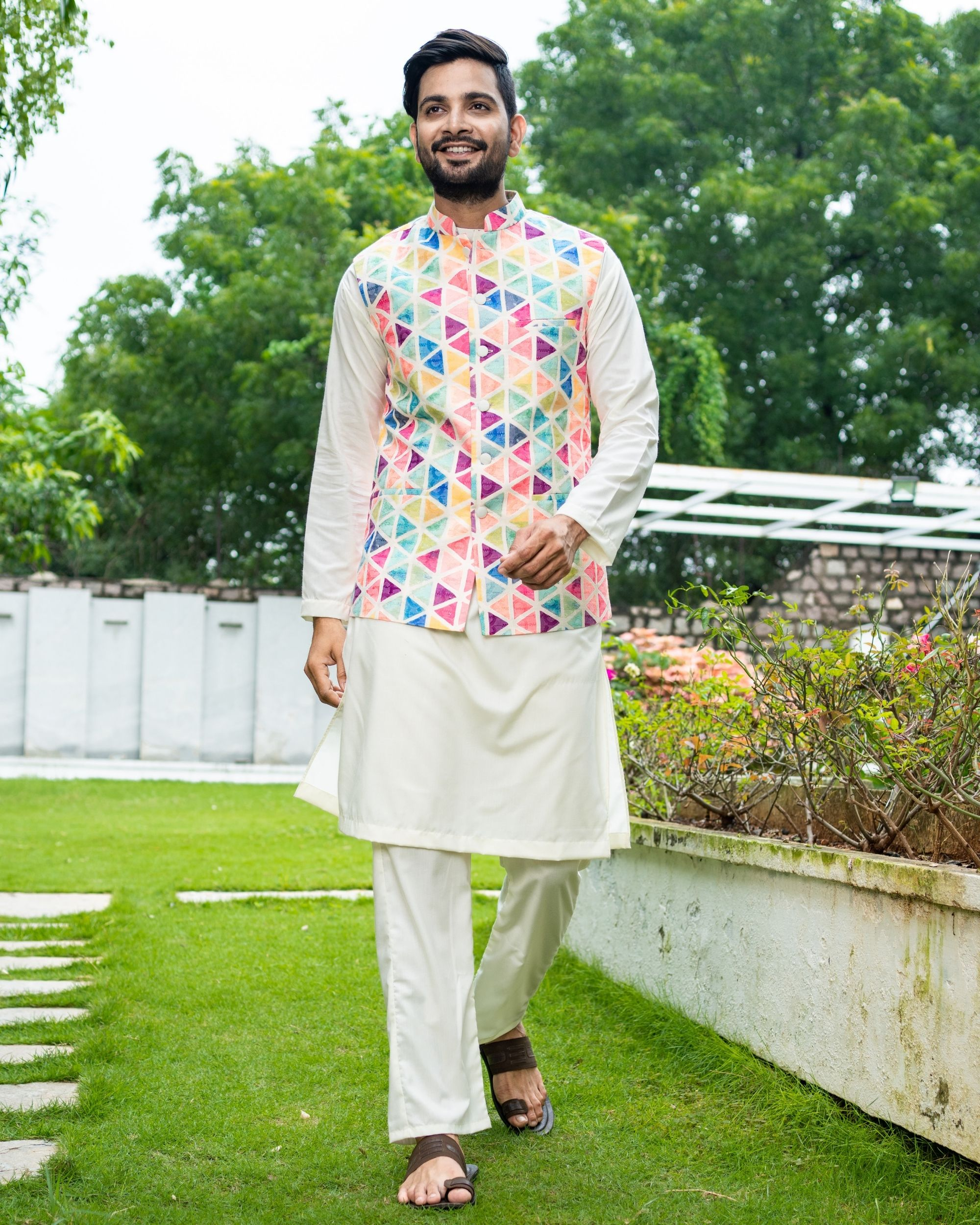 Multicolour trigon nehru jacket with off white kurta and pyjama - Set Of Three