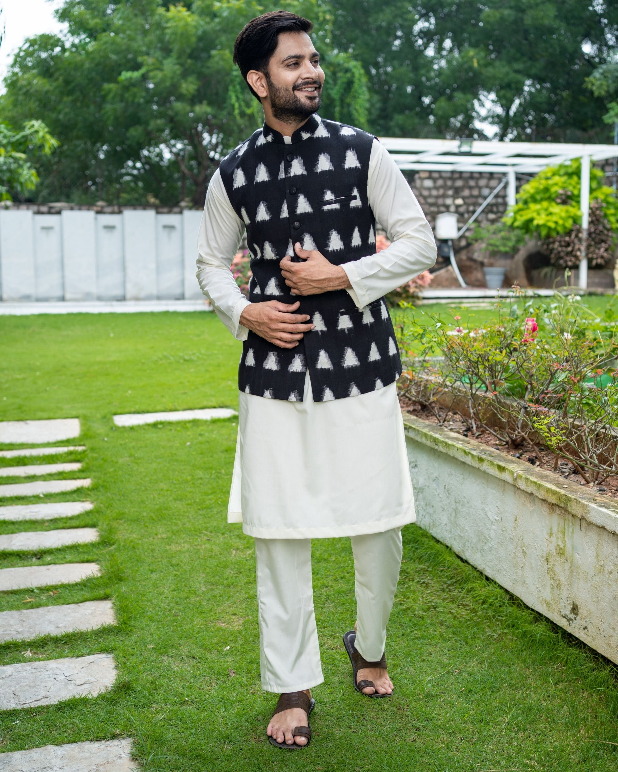 Black and white trigon ikat jacket with off white kurta and pyjama - Set Of Three