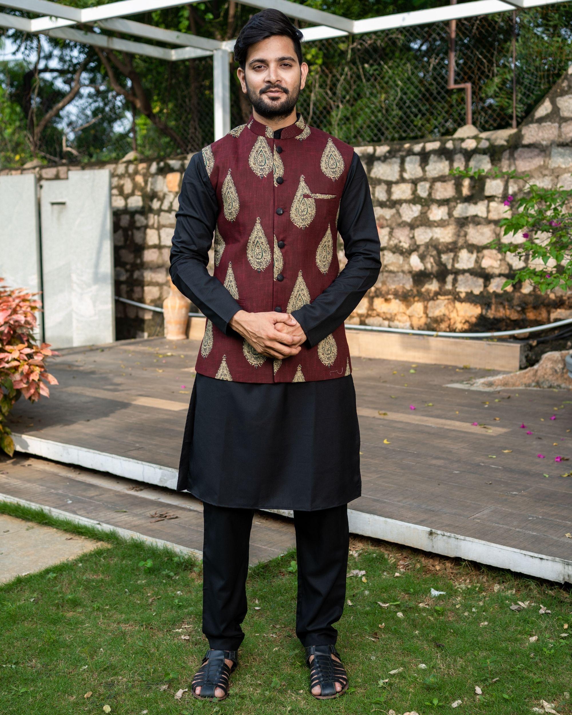 Maroon boota printed nehru jacket with black kurta and pyjama - Set Of Three