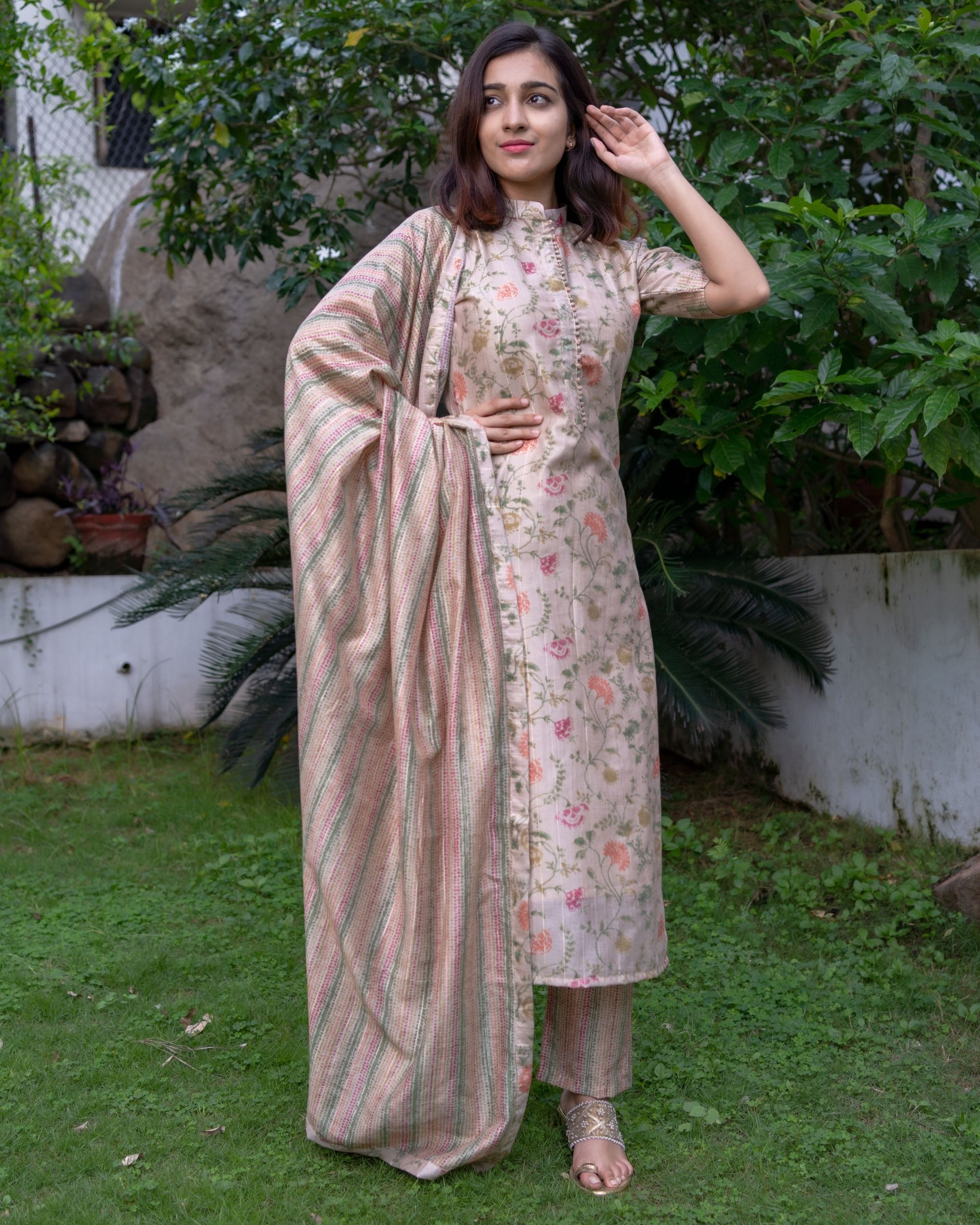Beige floral printed mandarin kurta with pants and dupatta - Set Of Three